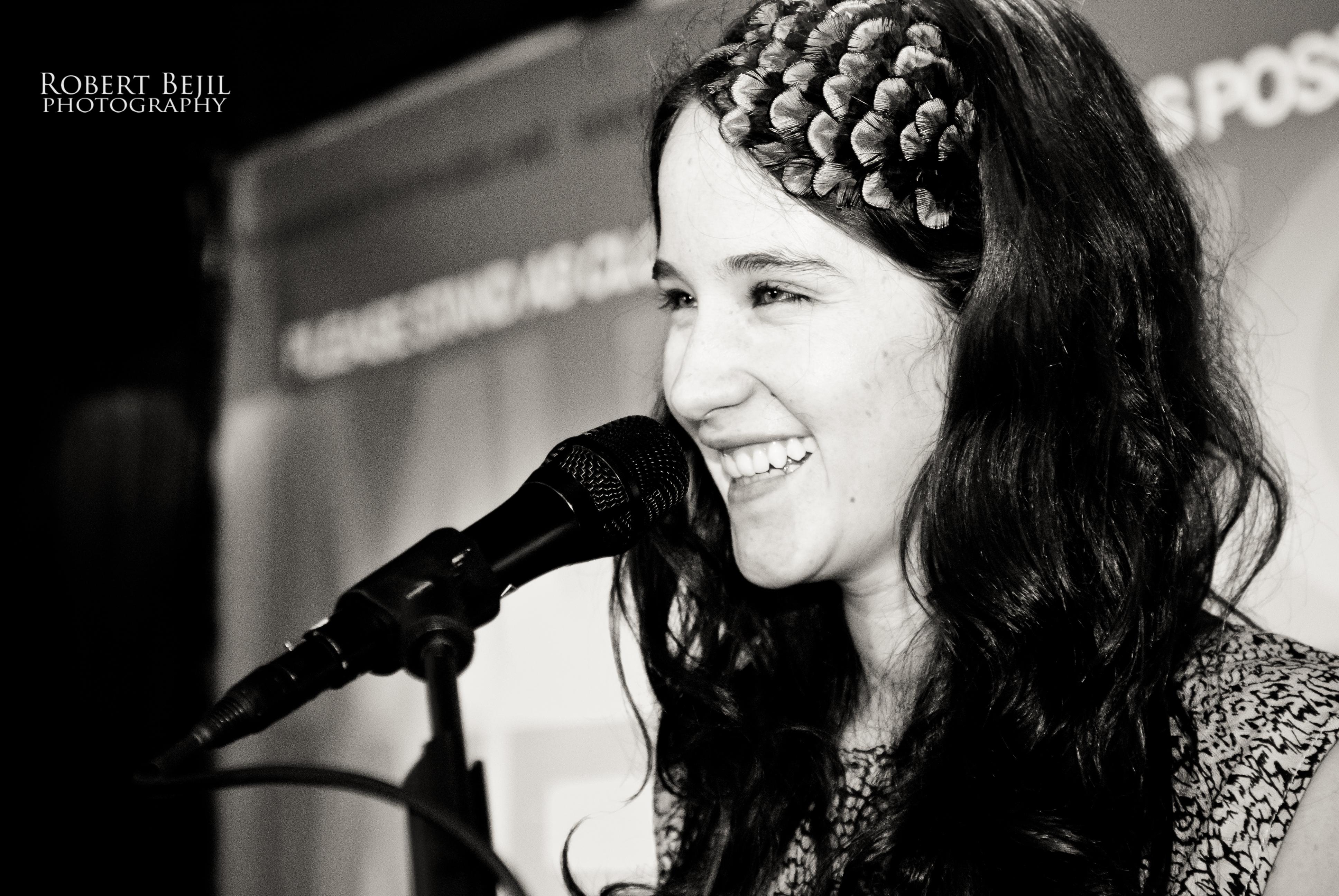 Description Ximena Sariñana @ La Cita Bar 02.jpg