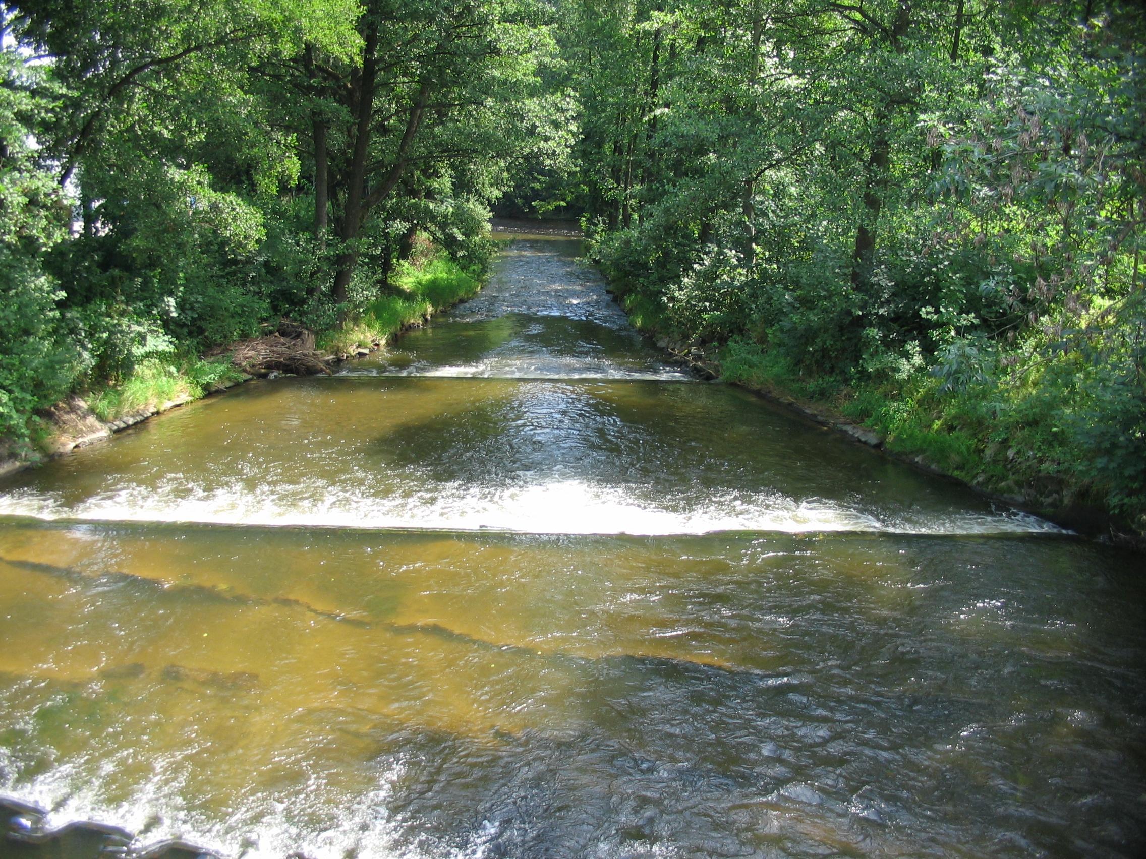 Soubor:řeka ostružná