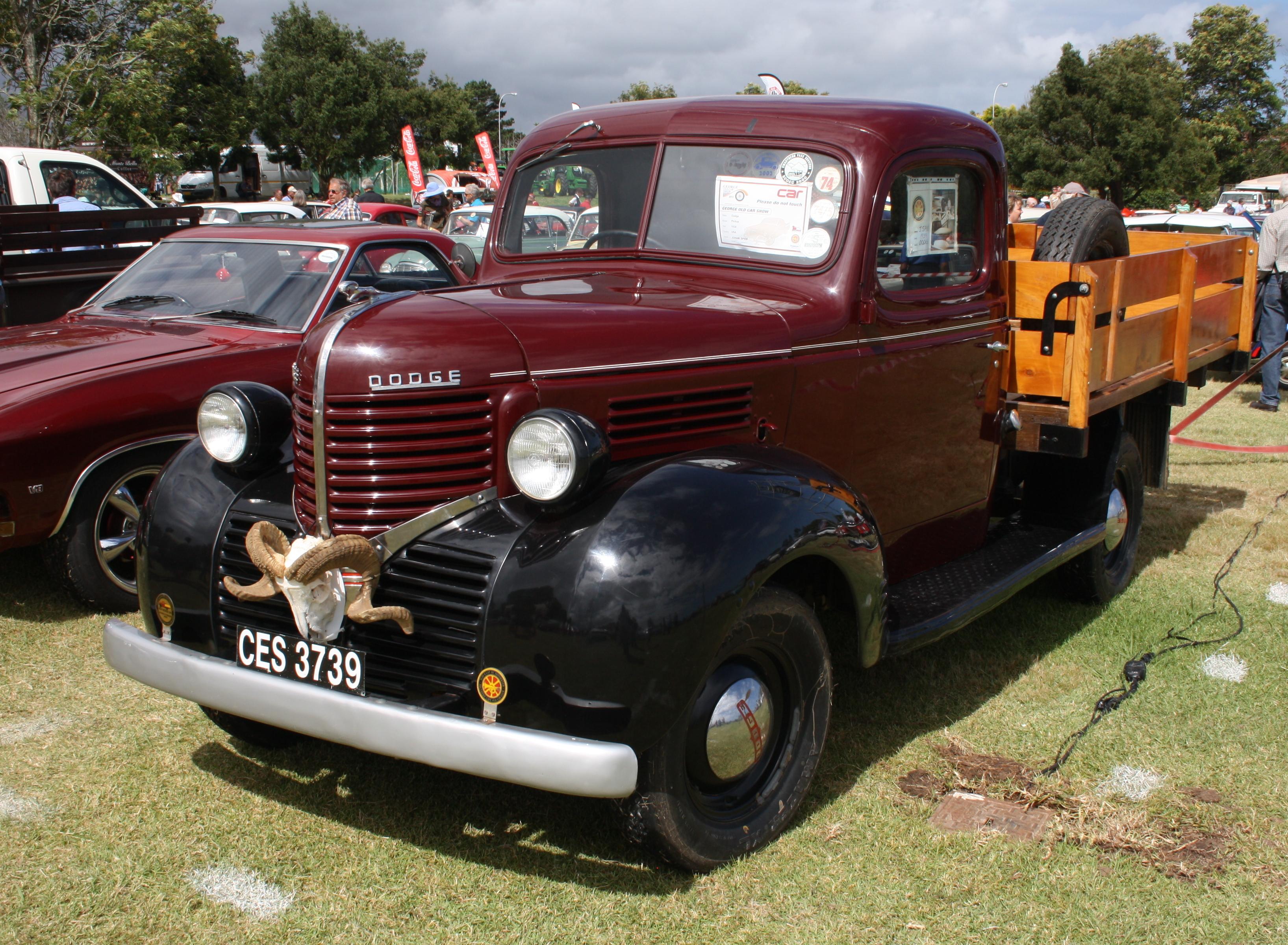 1939_Dodge_Pickup_(15908049624).jpg