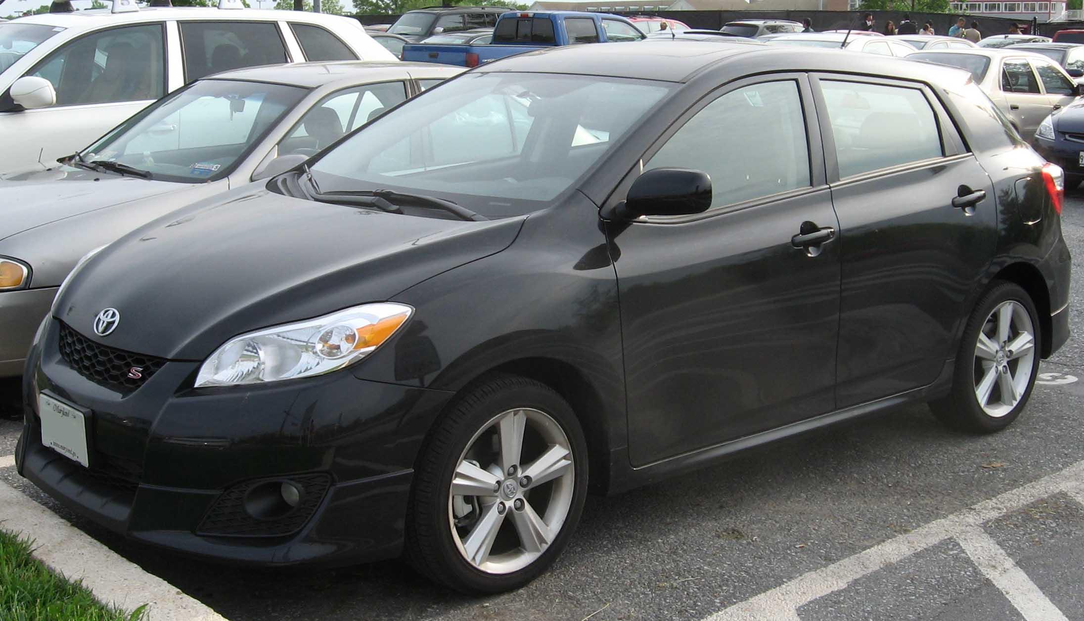 File:2009 Toyota Matrix S.jpg - Wikimedia Commons