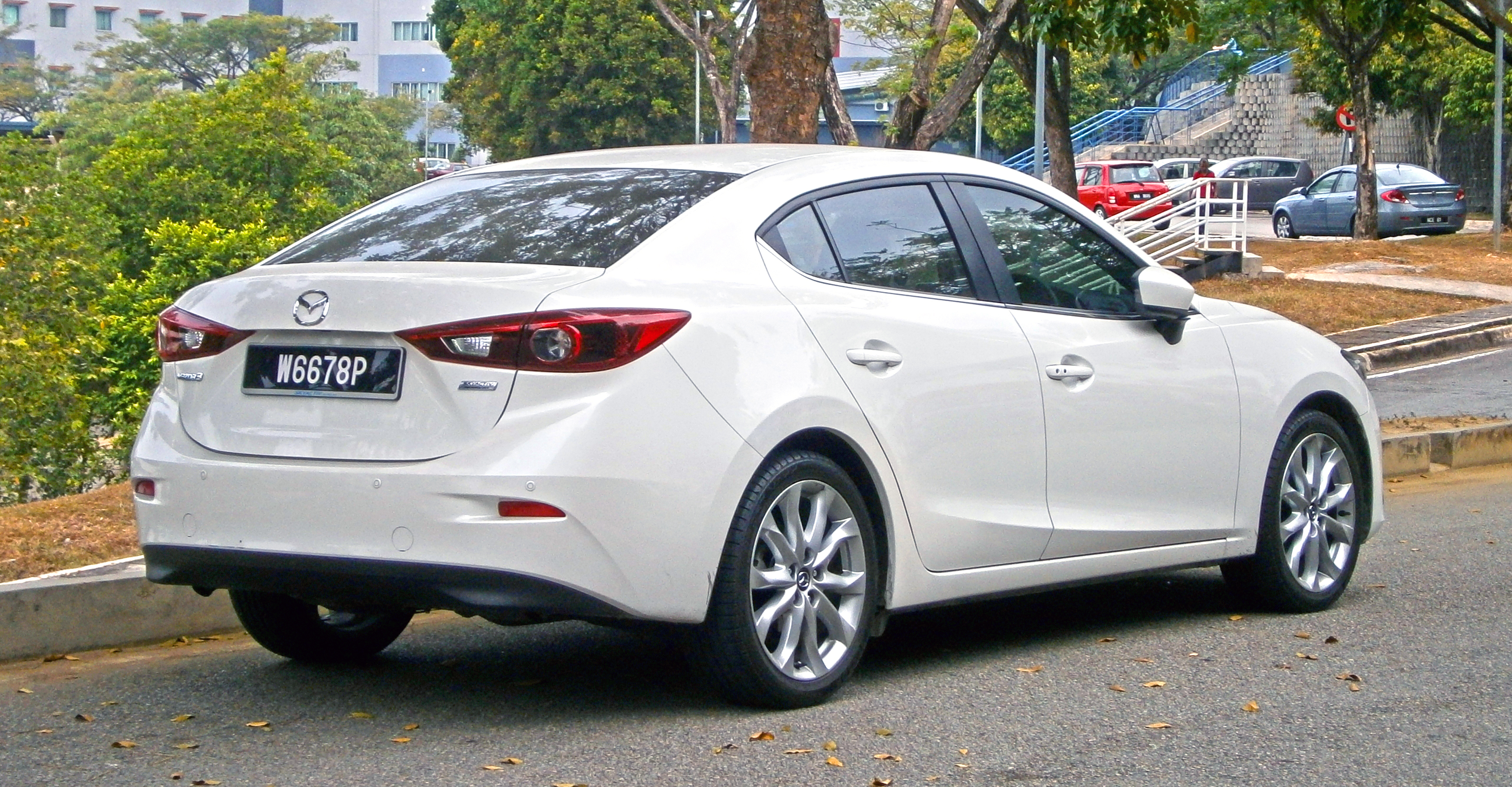 2014 mazda 3 pearl white images. Black Bedroom Furniture Sets. Home Design Ideas