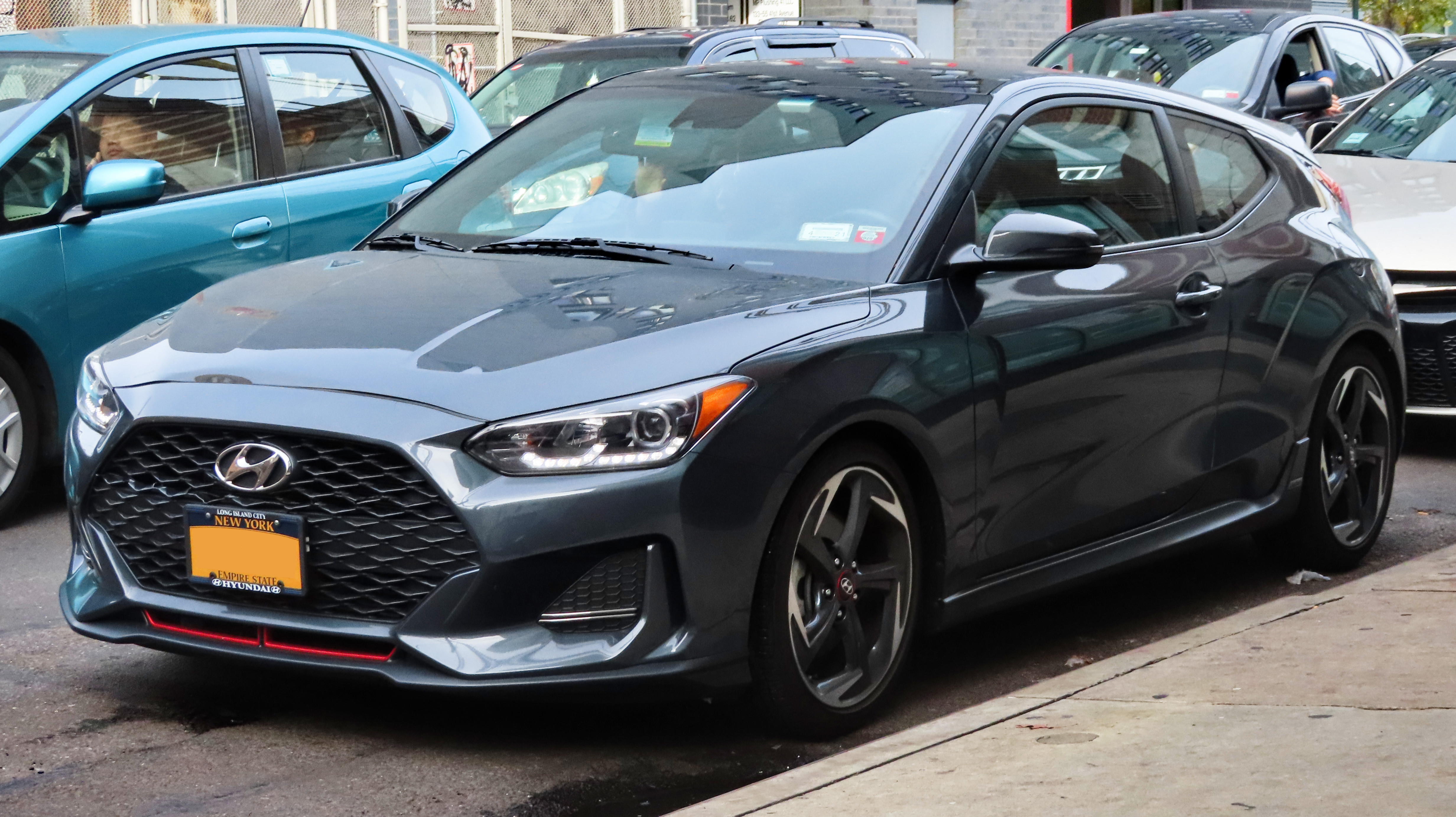 File:2019 Hyundai Veloster 1.6T, front 11.9.19.jpg - Wikimedia Commons