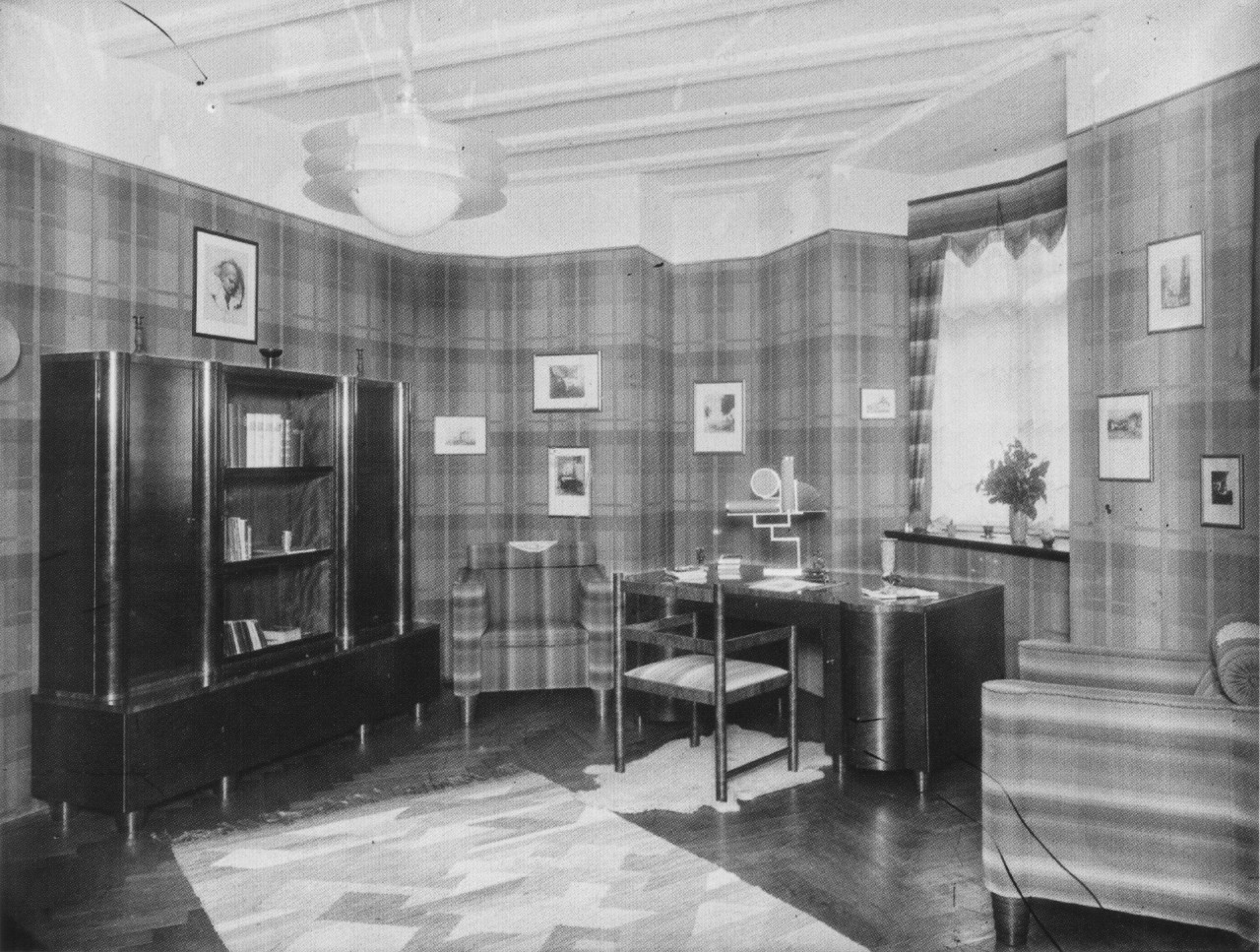 File:AHW Wohnzimmer moderne Gestaltung um 1925.jpg ...
