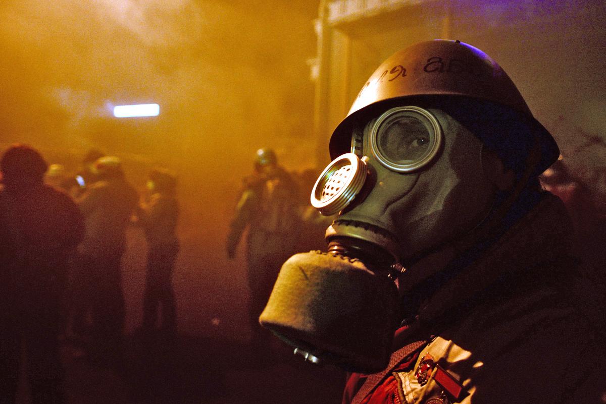 dubstep wallpaper gas mask