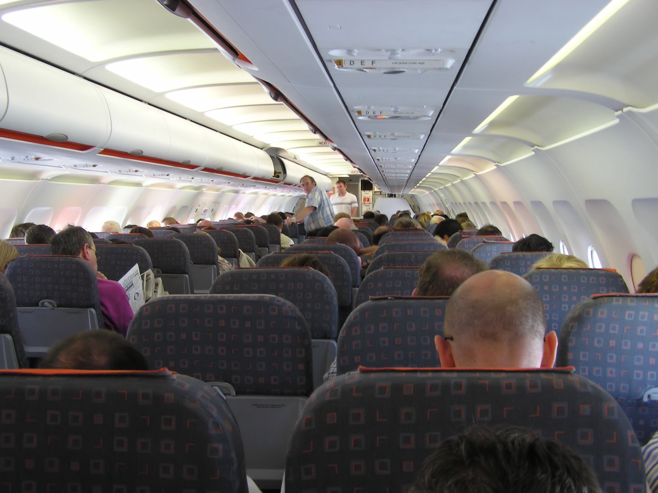 File wikimedia commons for Interno easyjet
