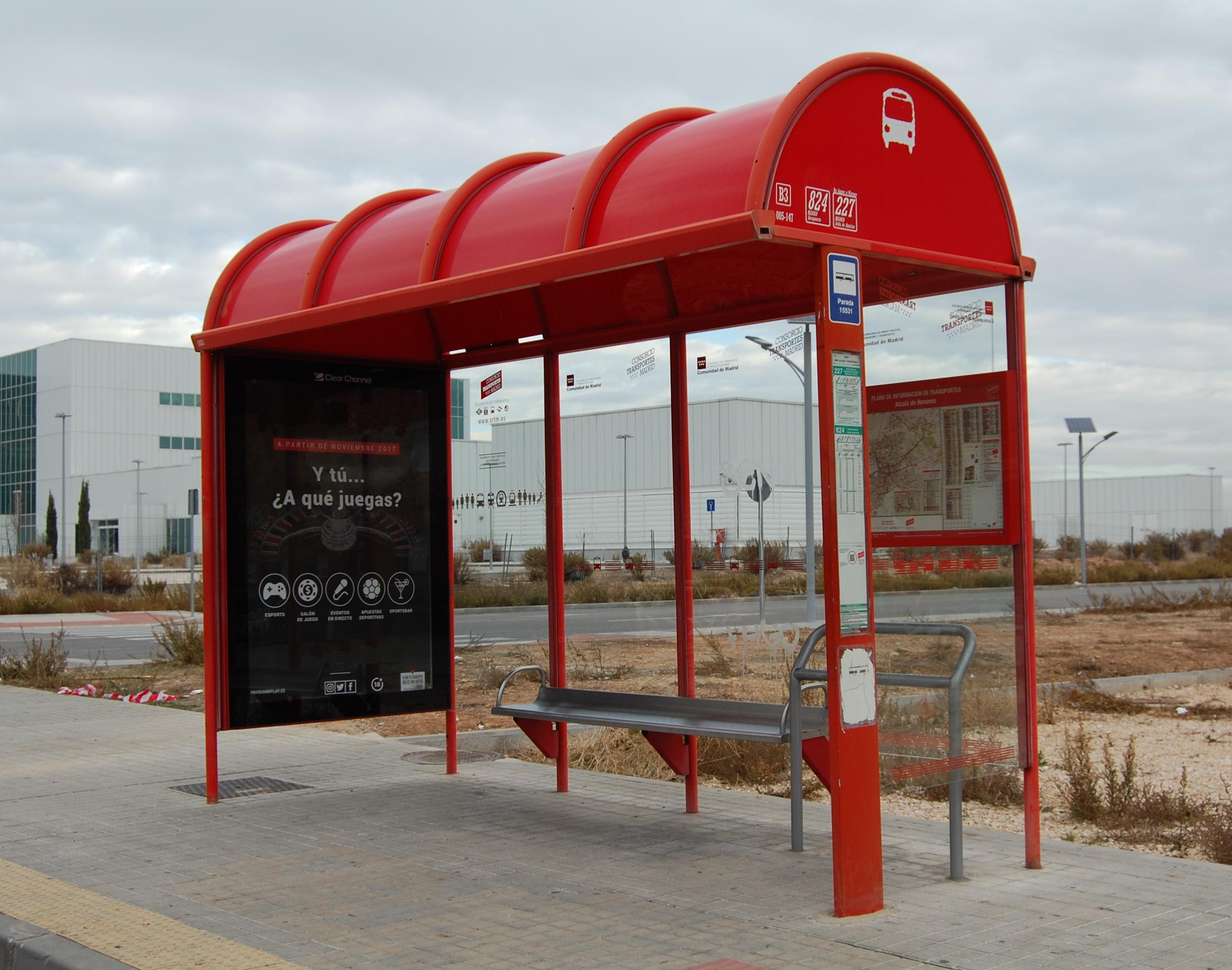 File alcal de henares rps 25 11 2017 marquesina parada for Autobuses alcala de henares