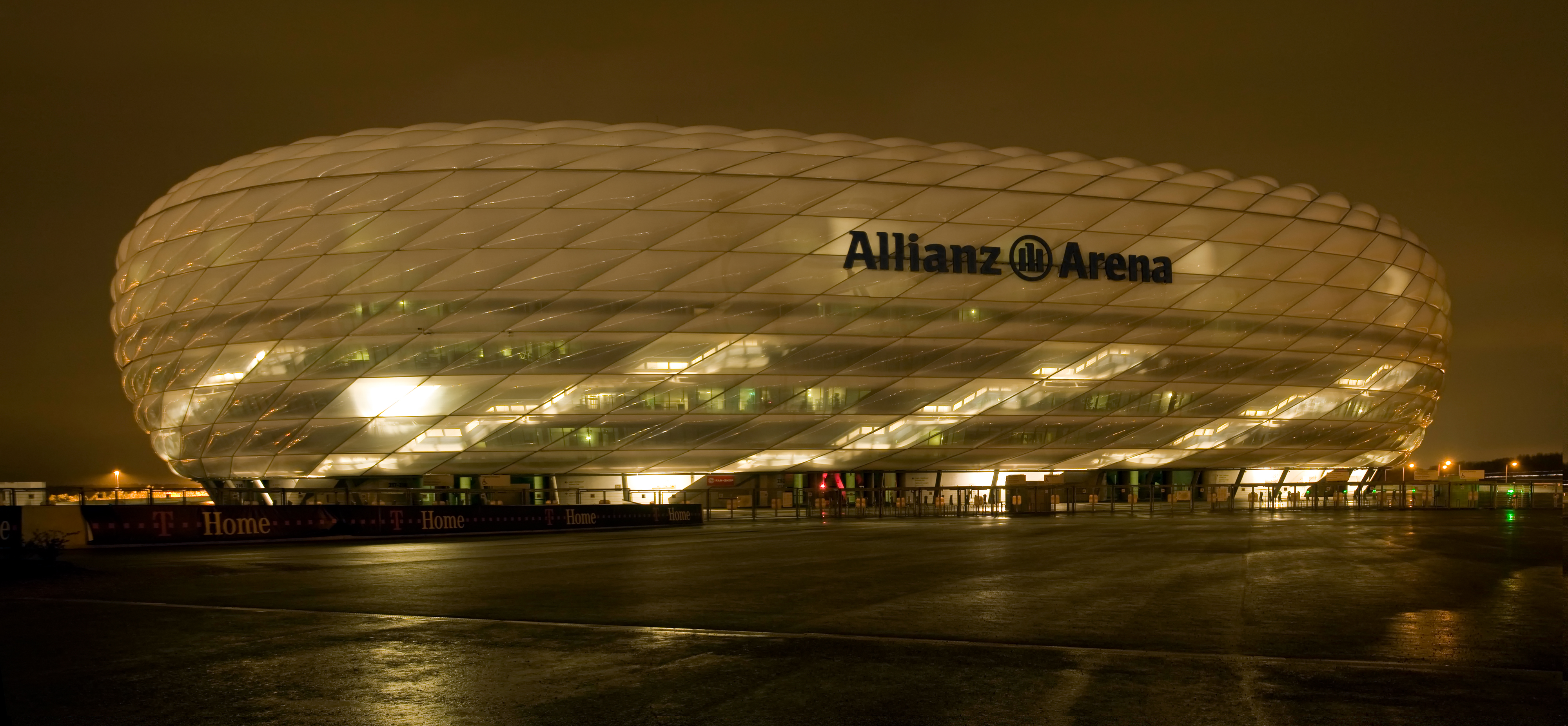 file allianz arena by wikimedia commons. Black Bedroom Furniture Sets. Home Design Ideas