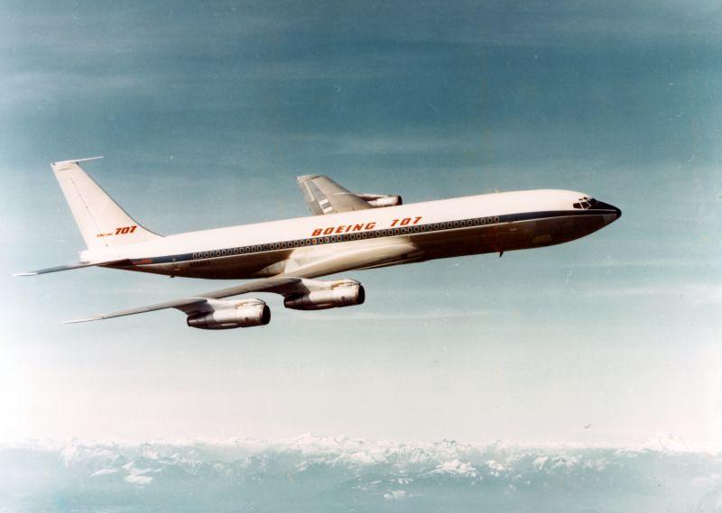 Boeing company Boeing 707 N68657