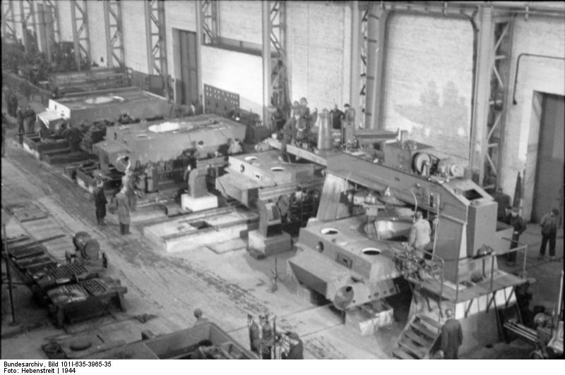 File Bundesarchiv Bild 101i 635 3965 35 Panzerfabrik In