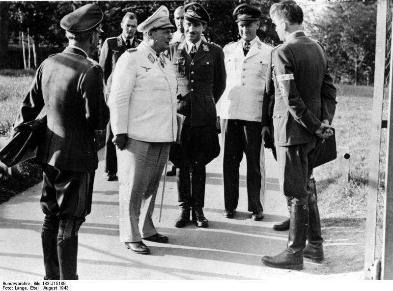 Adolf Josef Ferdinand Galland Bundesarchiv_Bild_183-J15189%2C_G%C3%B6ring%2C_Galland%2C_Loerzer%2C_Speer