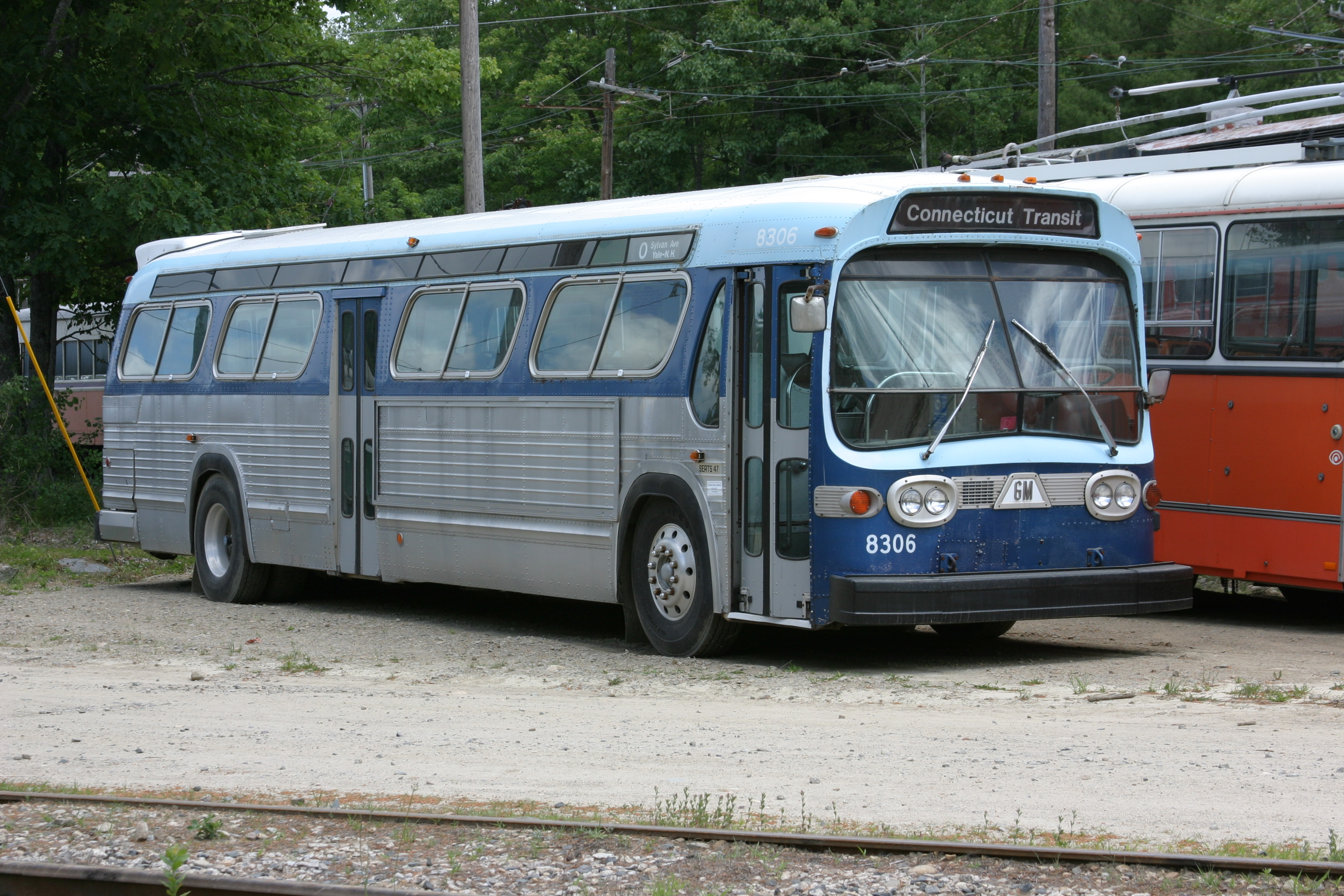 File:CT Transit 8306 at Seashore Trolley Museum, June 2007.jpg - Wikimedia Commons
