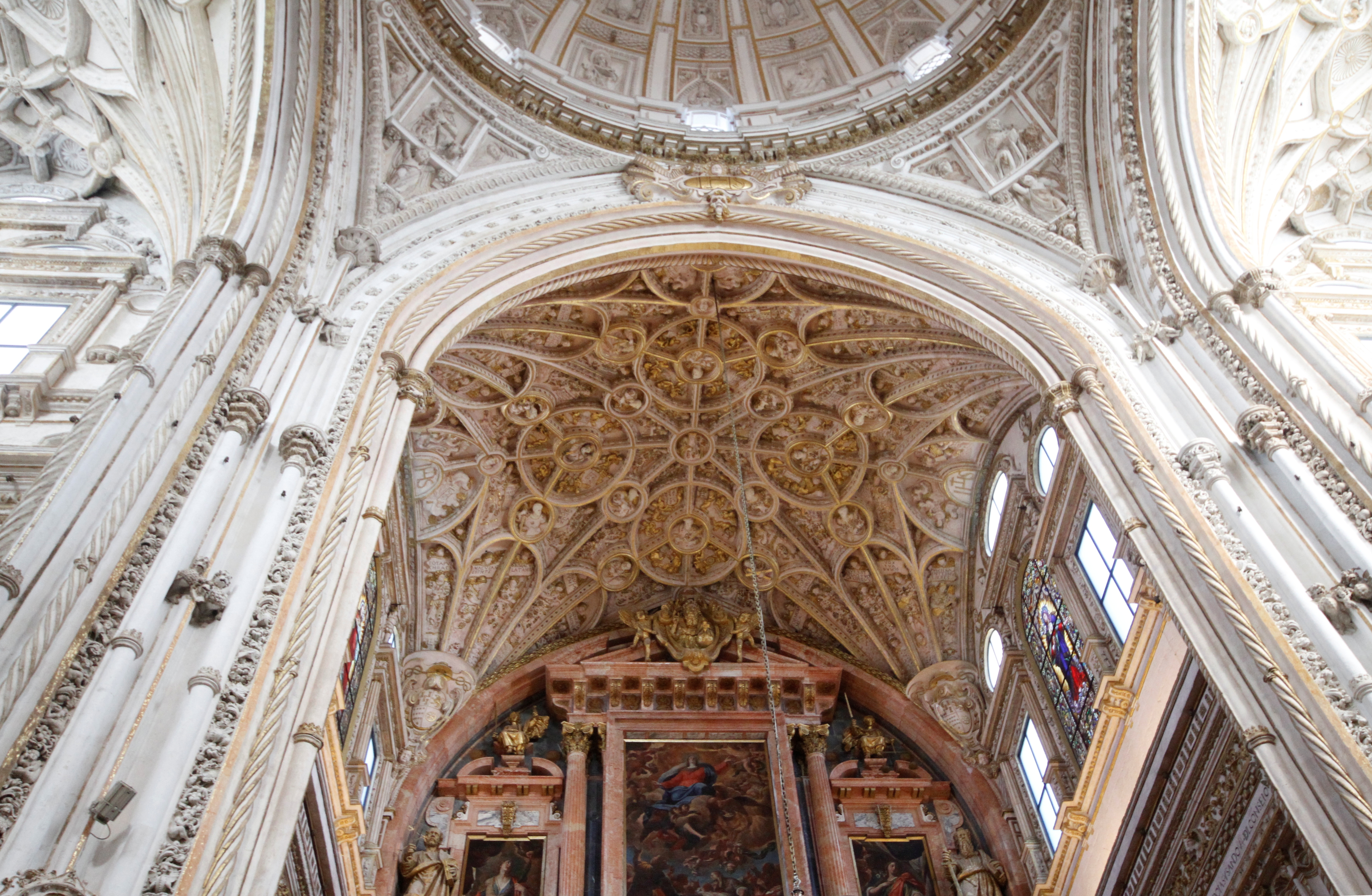 file ceiling above the main altar cathedral of córdoba la