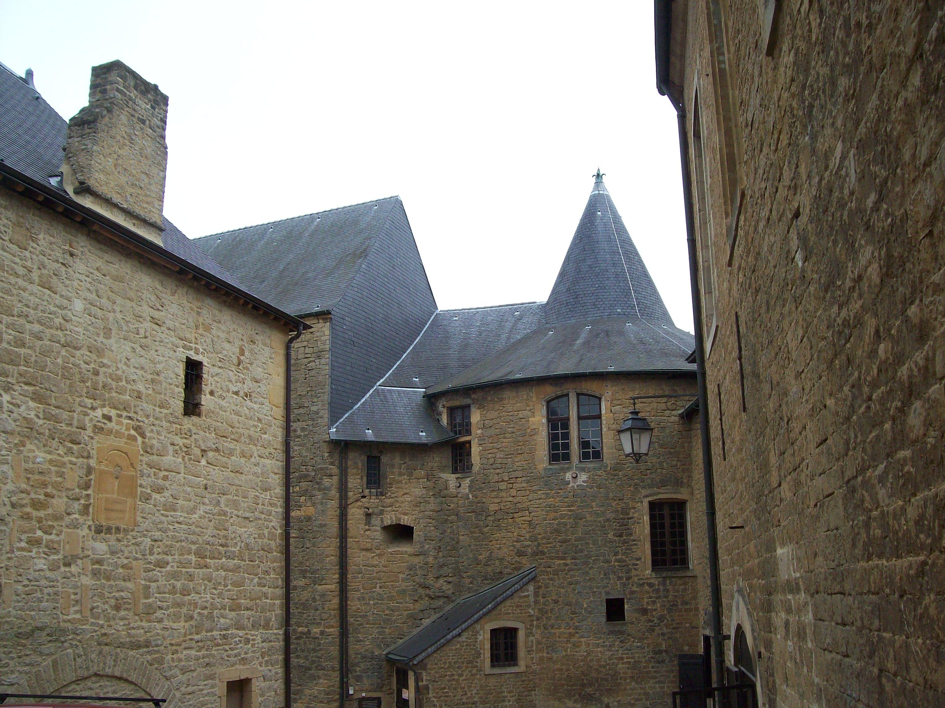 File Chateau Fort De Sedan 3 Jpg Wikimedia Commons