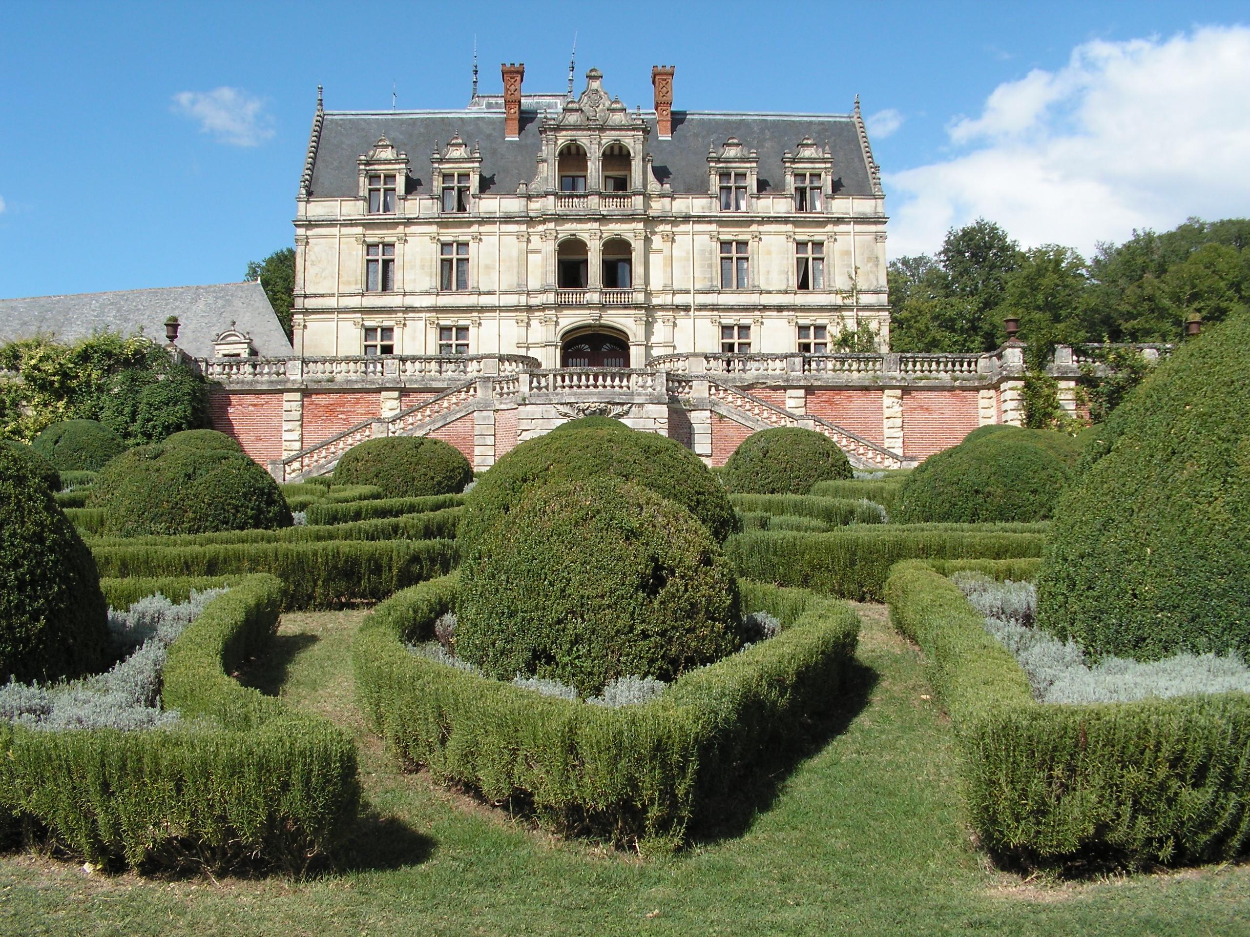 File ch teau de la bourdaisi re jpg wikimedia commons - Le prince jardinier ...