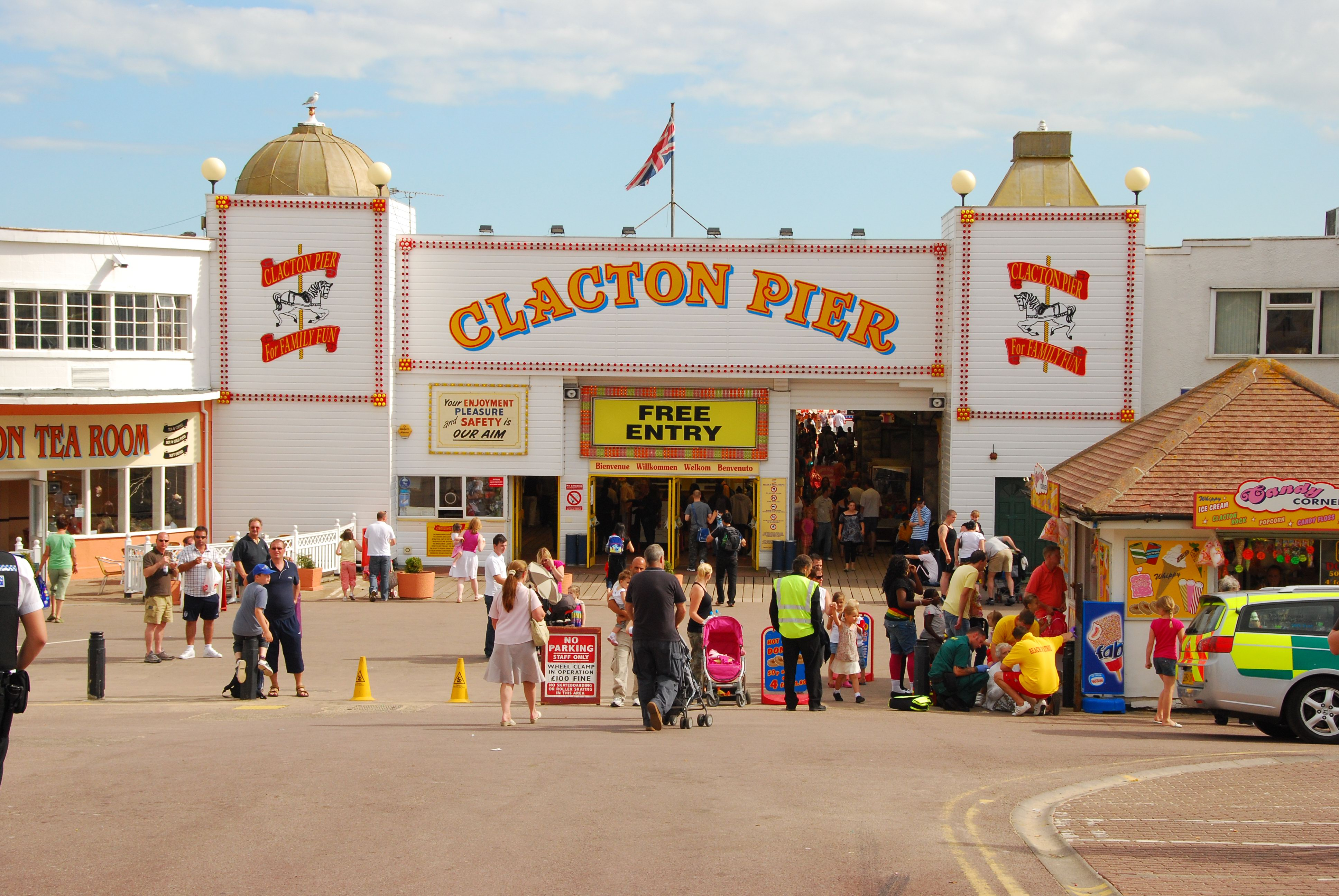 Clacton on Sea United Kingdom  city photos : file file history file usage on commons file usage on other wikis ...