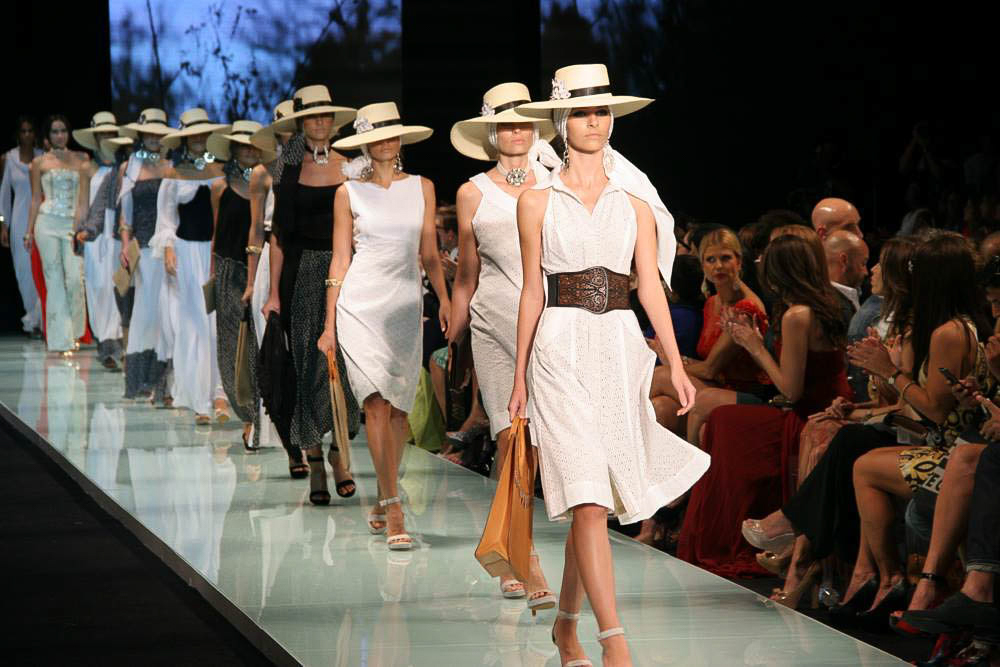 File:Claudia Bertolero Miami Fashion Week.jpg - Wikimedia Commons
