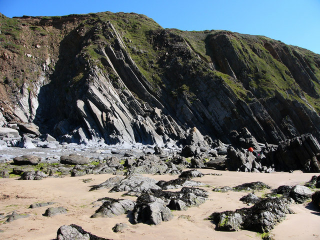 Cliffs at Marloes Sands - geograph.org.uk - 537082