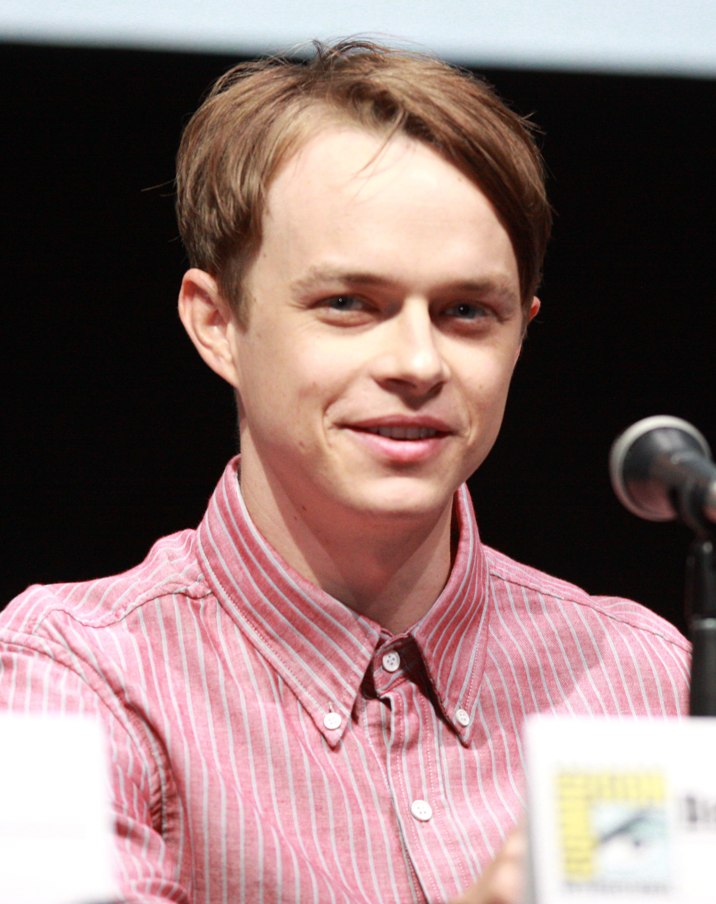 The 32-year old son of father Jeff and mother Cynthia Boscia Dane DeHaan in 2018 photo. Dane DeHaan earned a 0.5 million dollar salary - leaving the net worth at 2 million in 2018