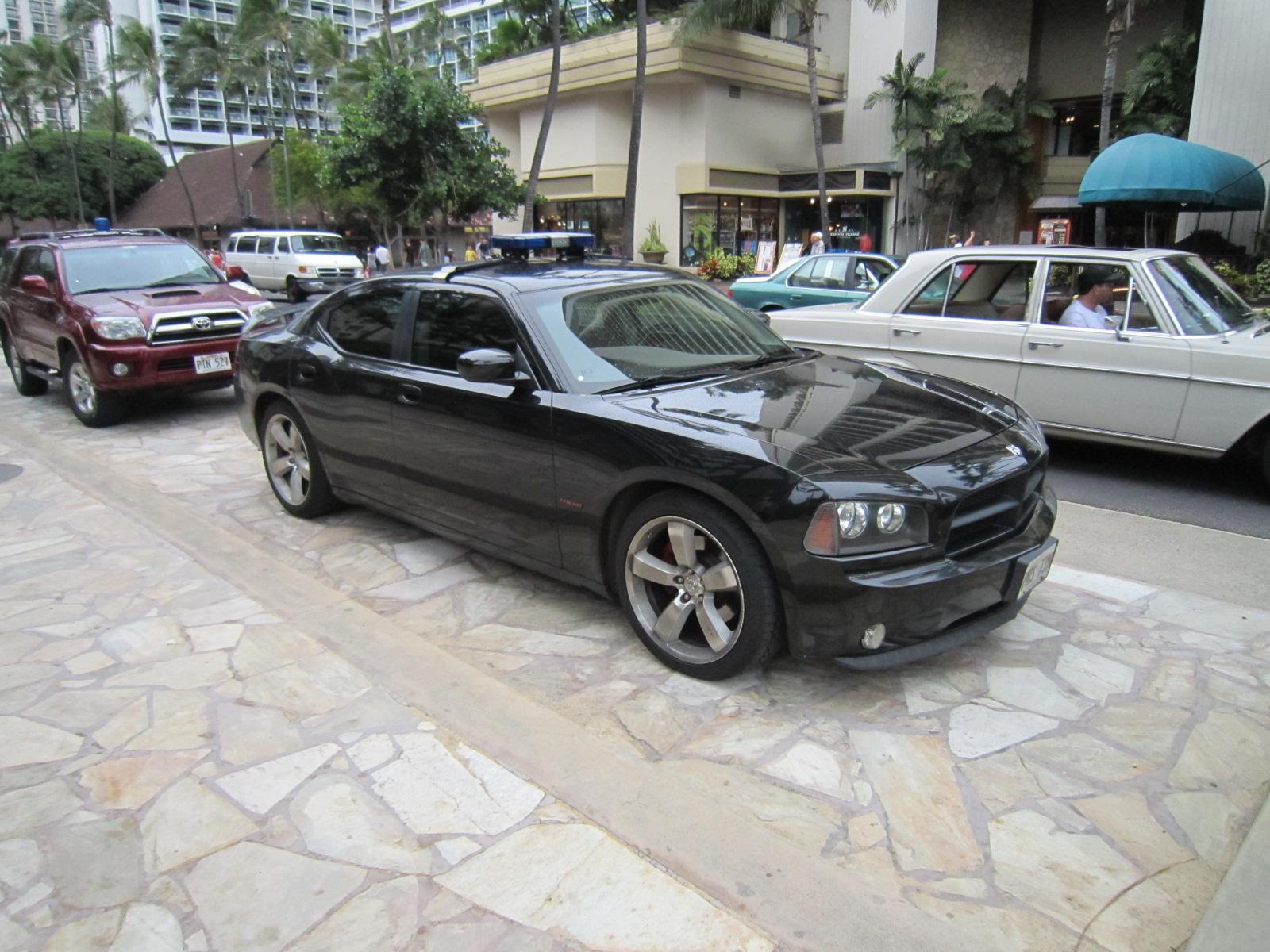 File Dodge Charger Honolulu Police 15330782085 Jpg