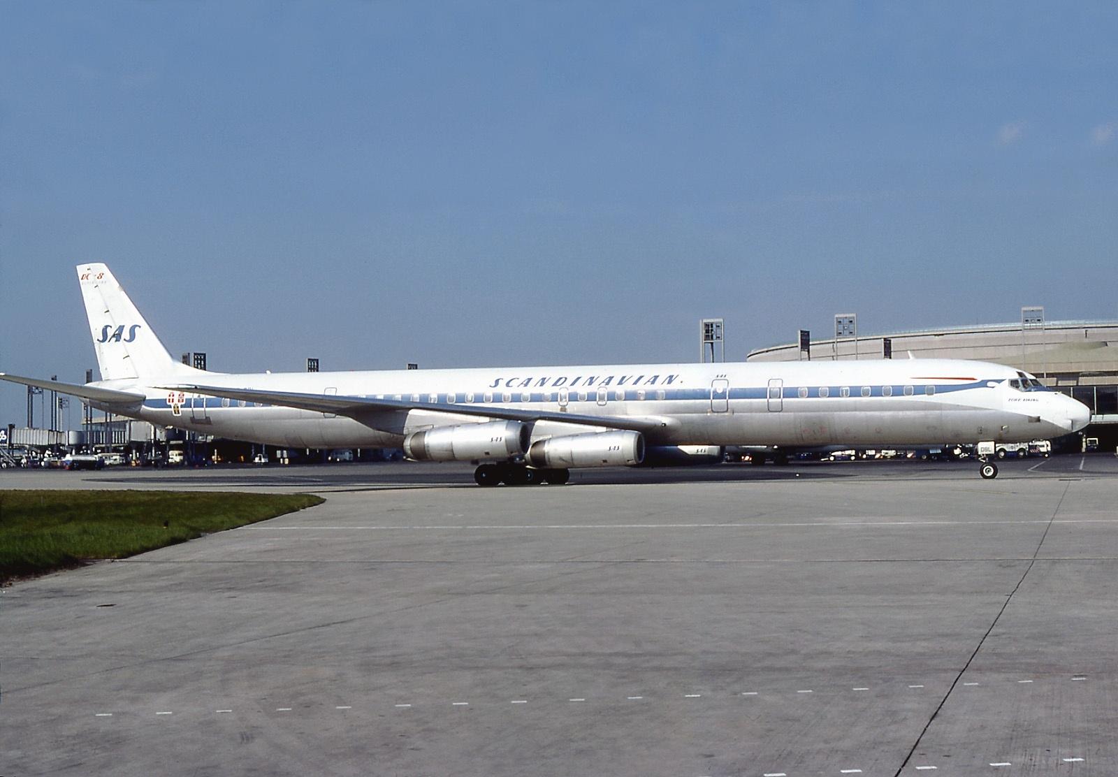 Douglas DC-8-63 (Scandinavian Airlines) AN0746345.jpg