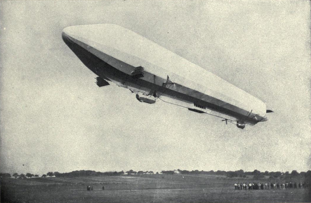 EB1911 Aeronautics Fig 2. - Zeppelin VII.png