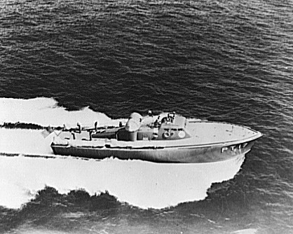 File:Elco 70 foot PT boat PT-17 1941 jpg - Wikimedia Commons