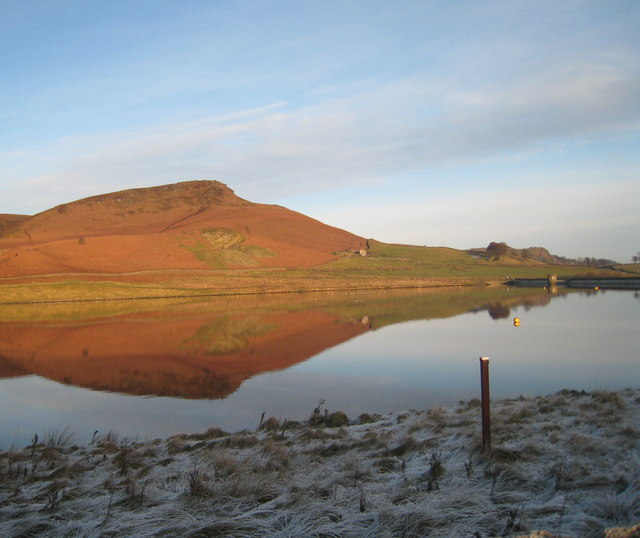 Embsay Reservoir and Crag - geograph.org.uk - 1077381