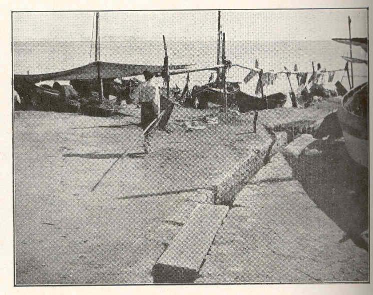 File fmib 37375 coin du port et le campement des petits for Les bouche du rhone