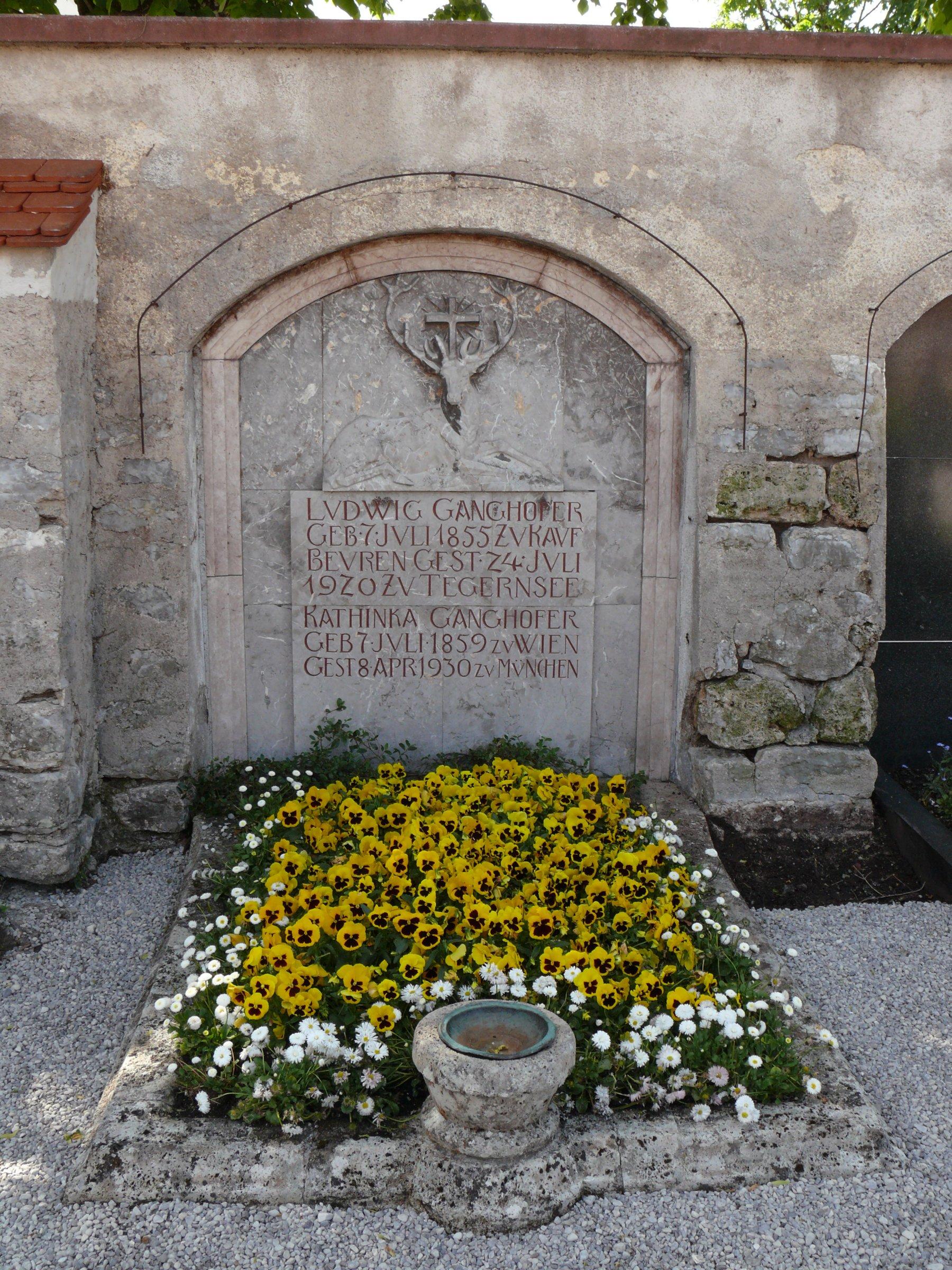 Grab von Ludwig Ganghofer
