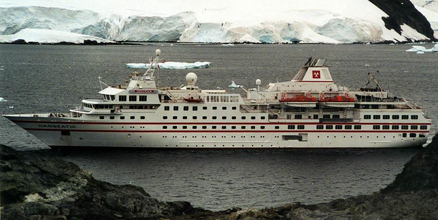 File Hanseatic In Paradise Bay Jpg Wikimedia Commons