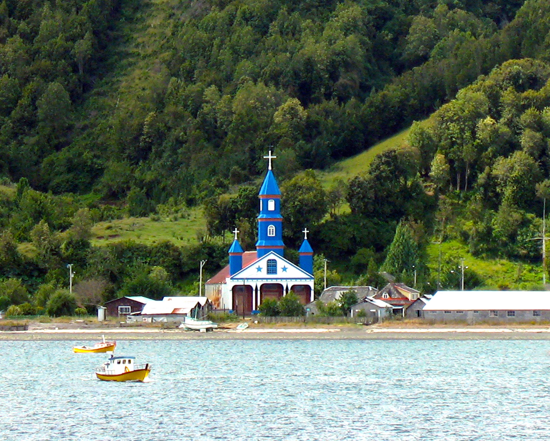 File:Iglesia de Tenaún, Isla Grande de Chiloé, Chile.jpg ...