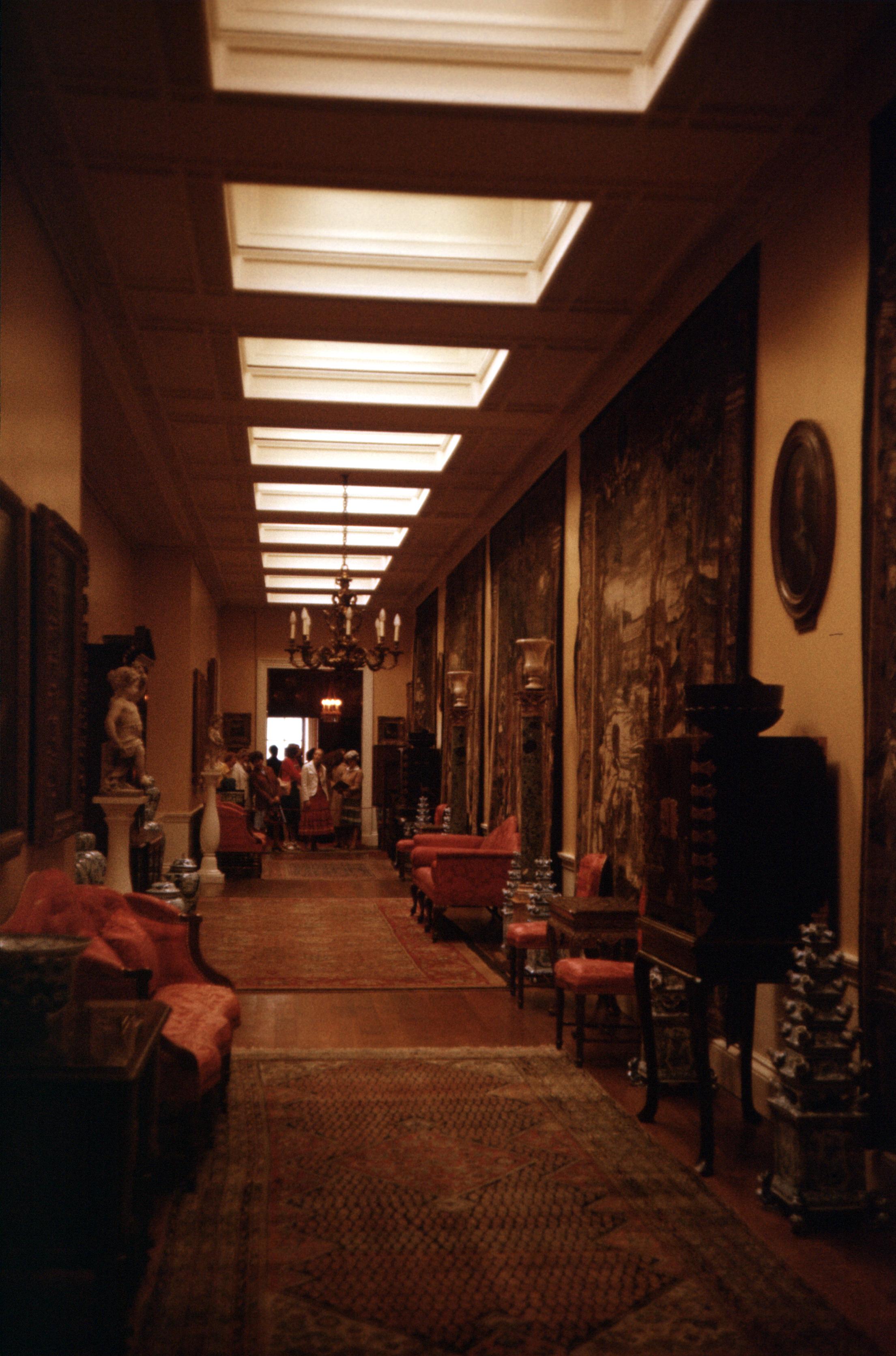 File:Interior of Chatsworth House, July 1978.jpg ...