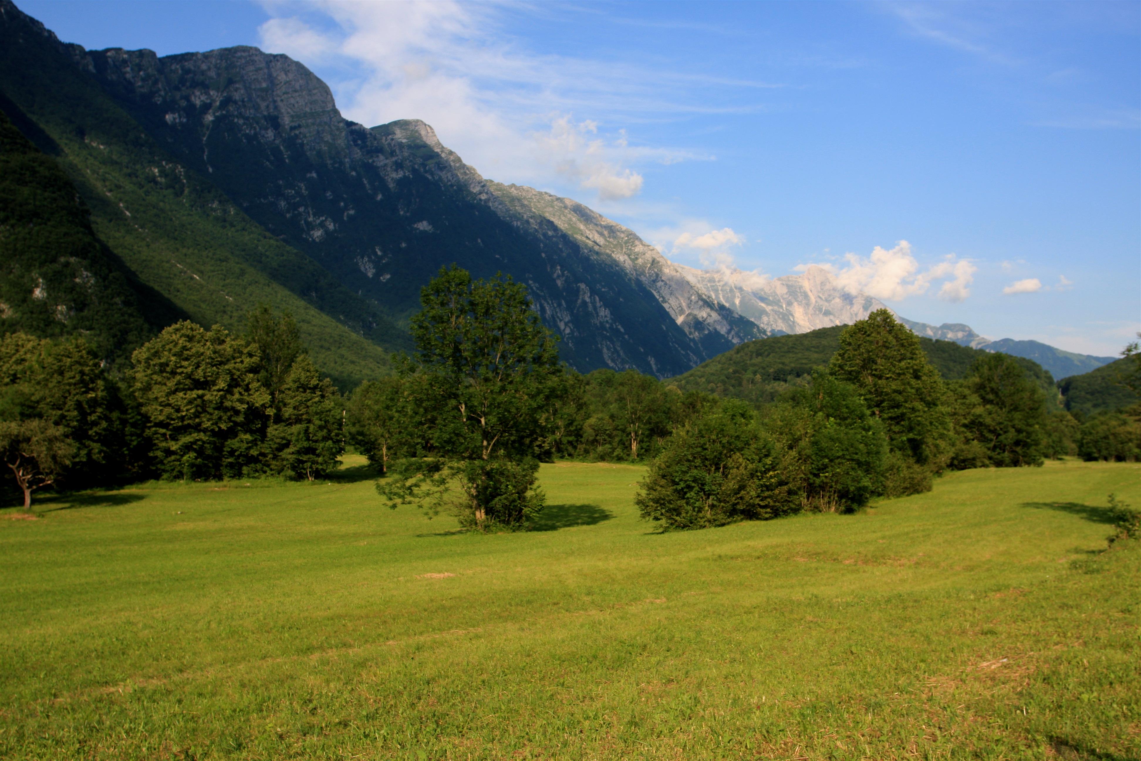 File:Julian Alps - Bovec, Slovenia (7451229734).jpg - Wikimedia ...