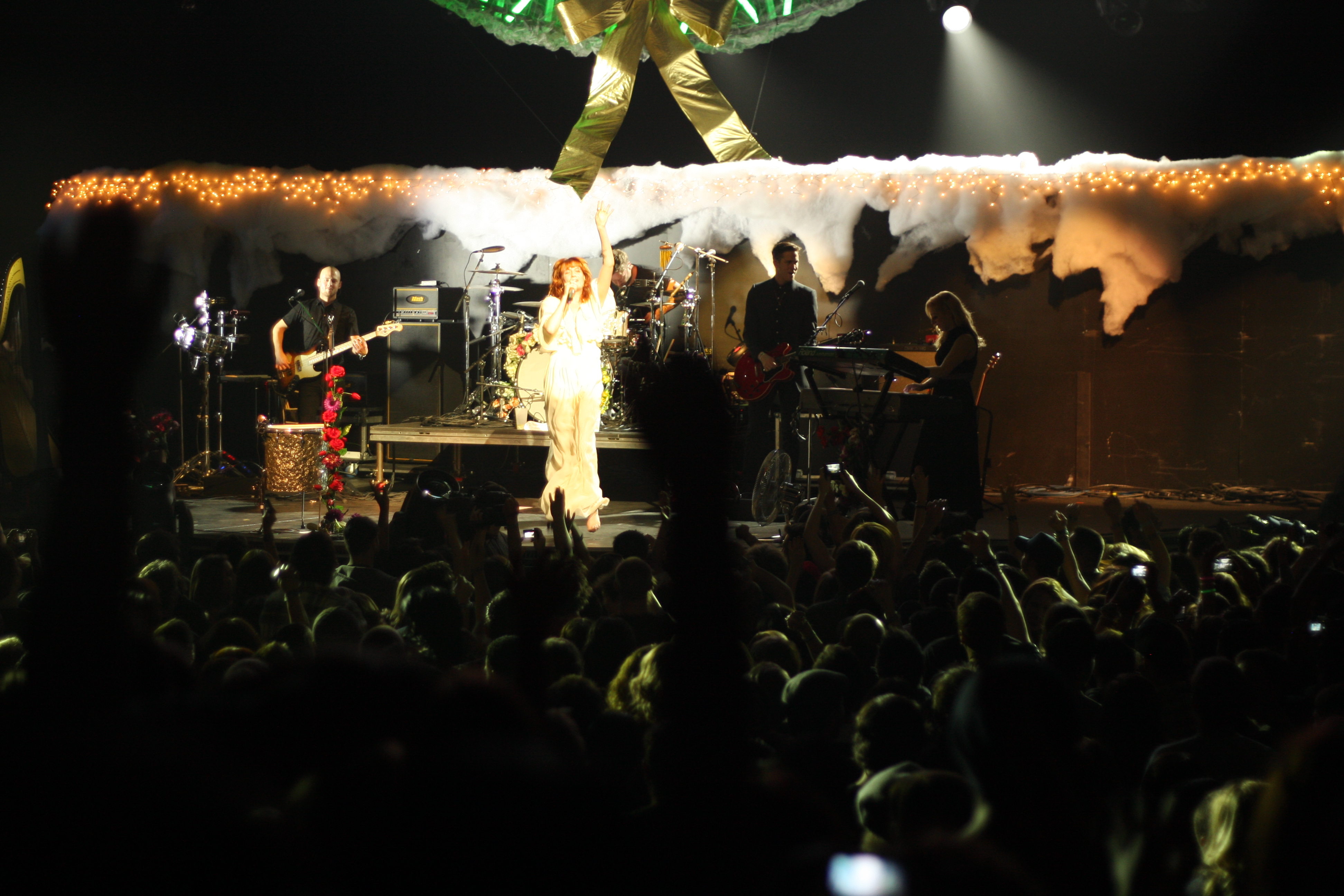 Kroq Almost Acoustic Christmas.File Kroq Almost Acoustic Xmas Florence And The Machine 33