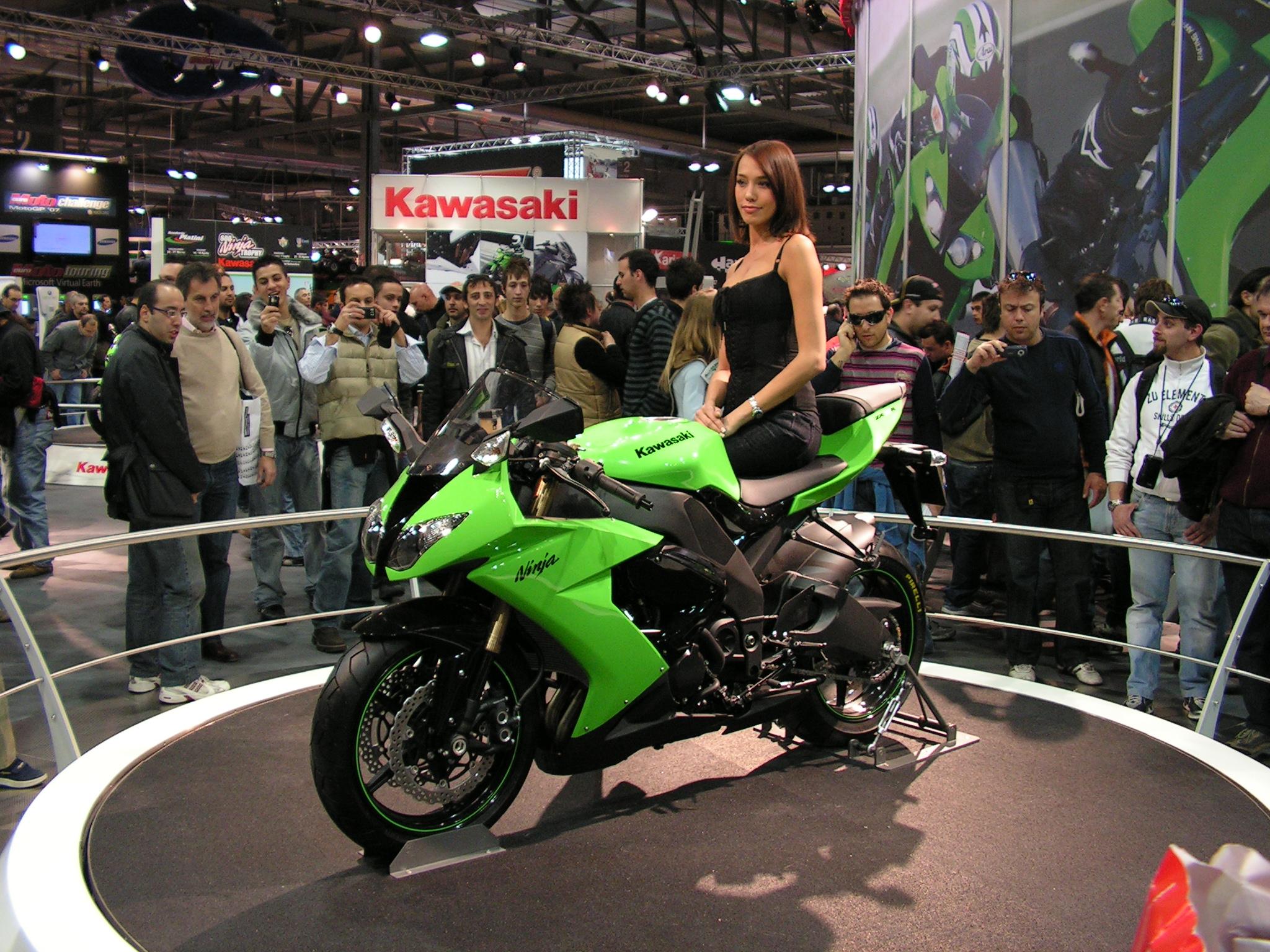 Kawasaki Ninja Zx10r 2048 x 1536 · 1589 kB · jpeg