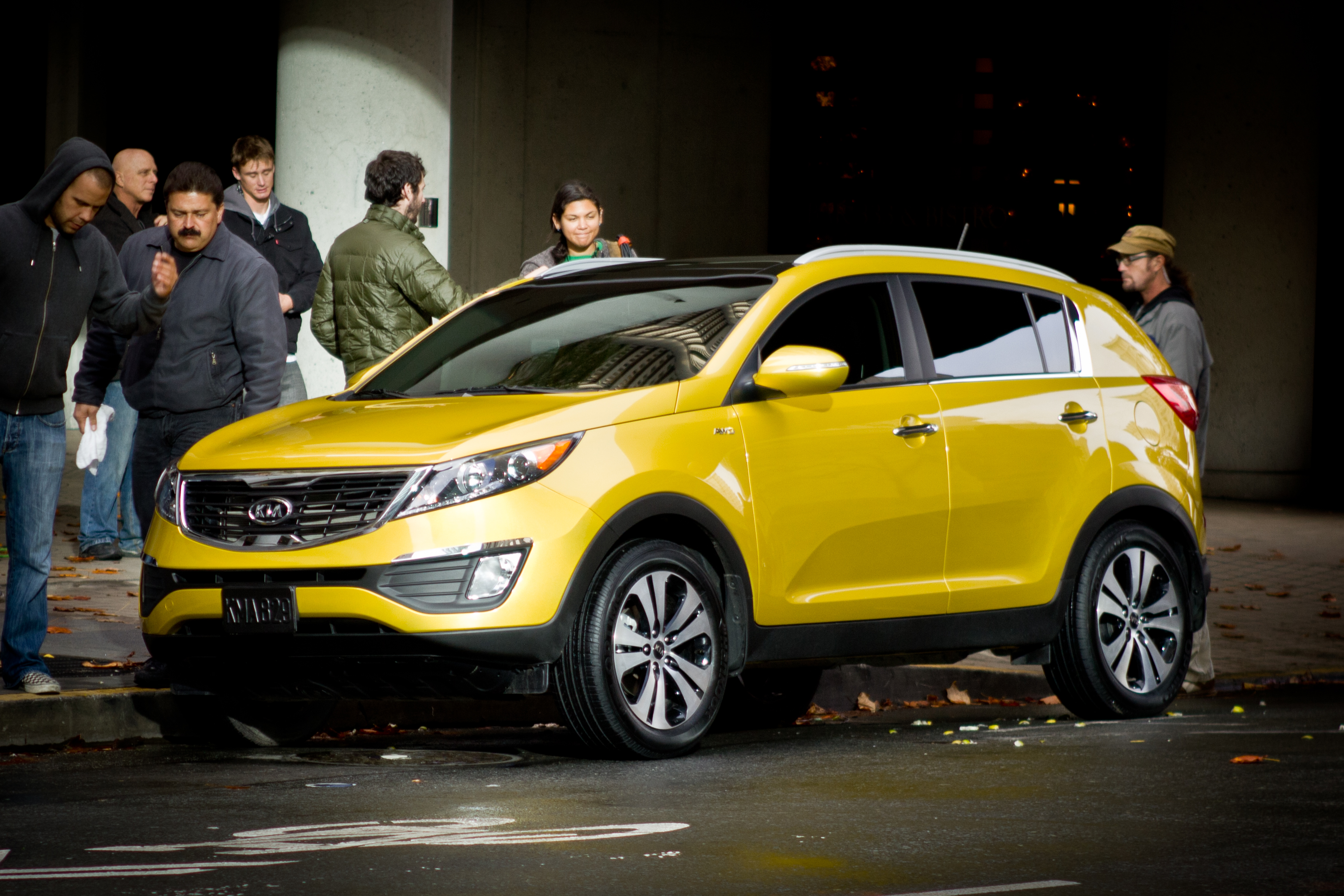 Description Kia Sportage 2011 Yellow Commercial Shoot in San Francisco