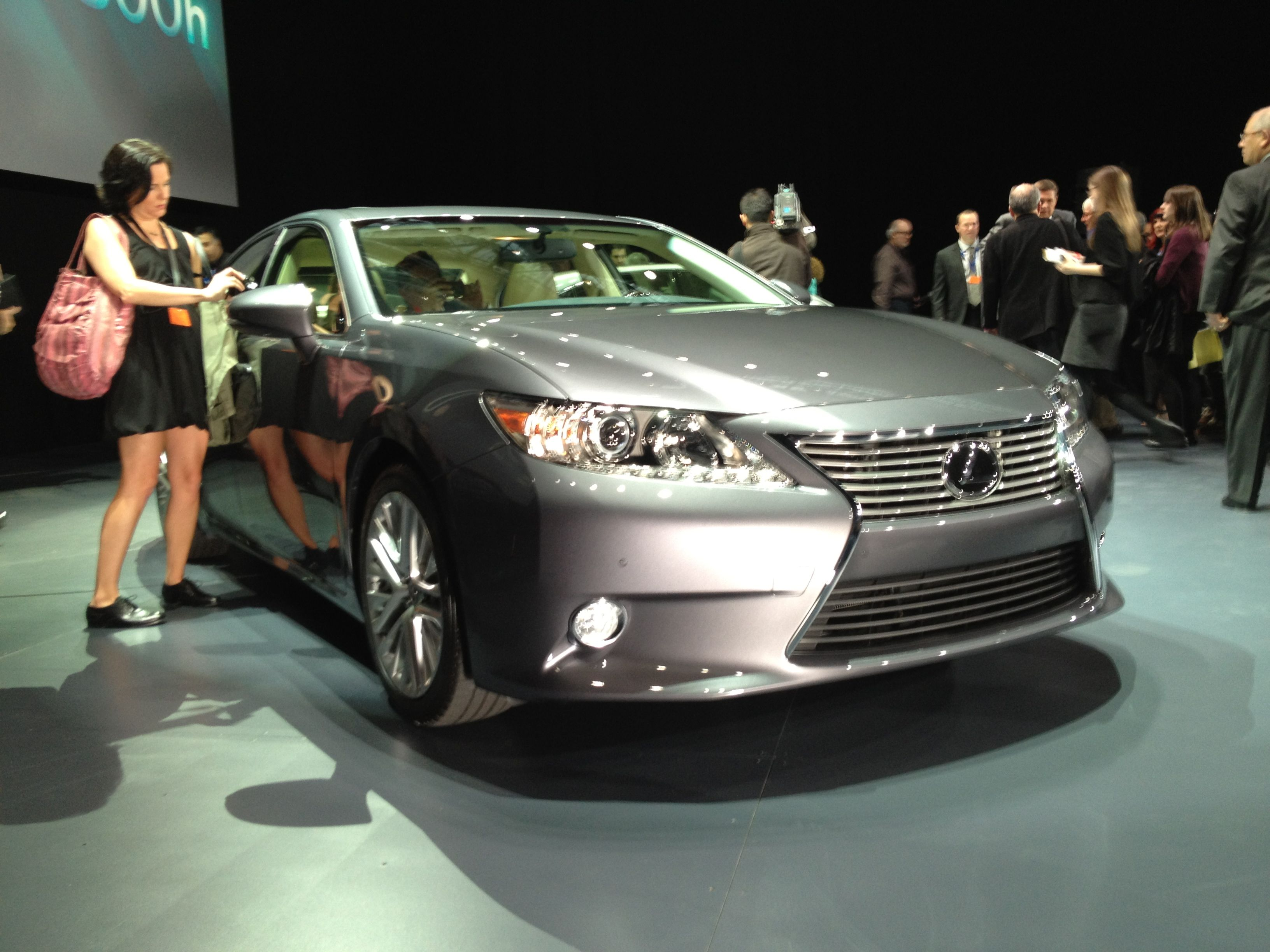 File Lexus Es300h At The 2017 New York International Auto Show Jpg