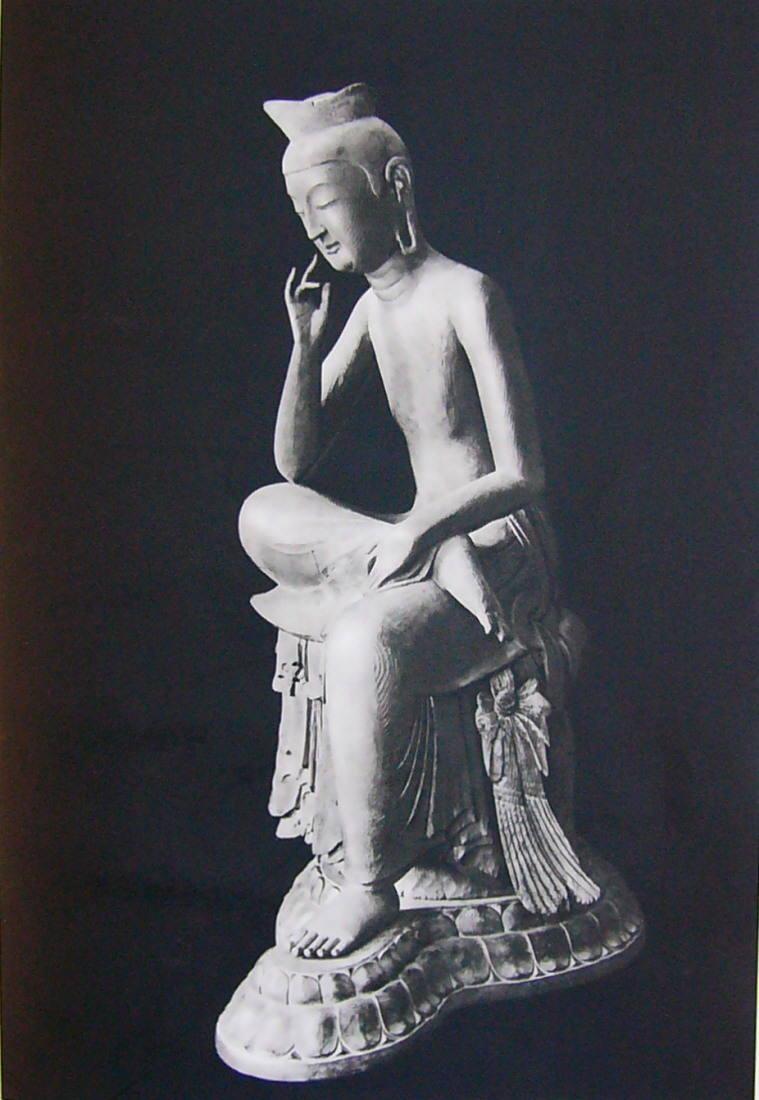 見惚れた京大生が指を折ってしまった――そんな事件もあるほどの美しさを誇る広隆寺弥勒菩薩像/Wikipediaより引用