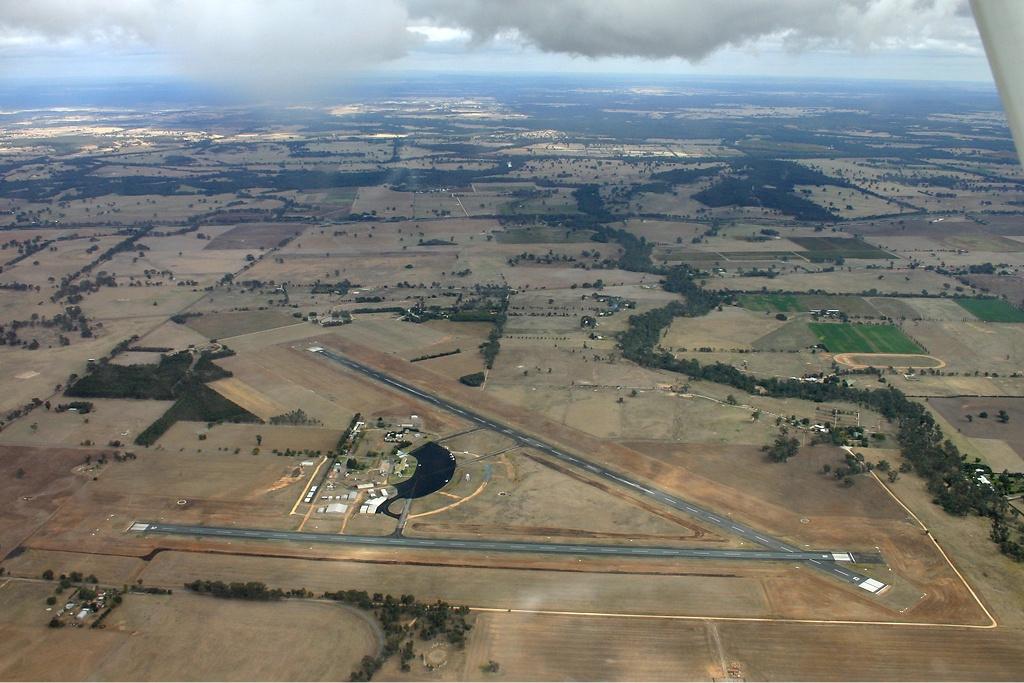 Mangalore Airport (Victoria) - Wikipedia
