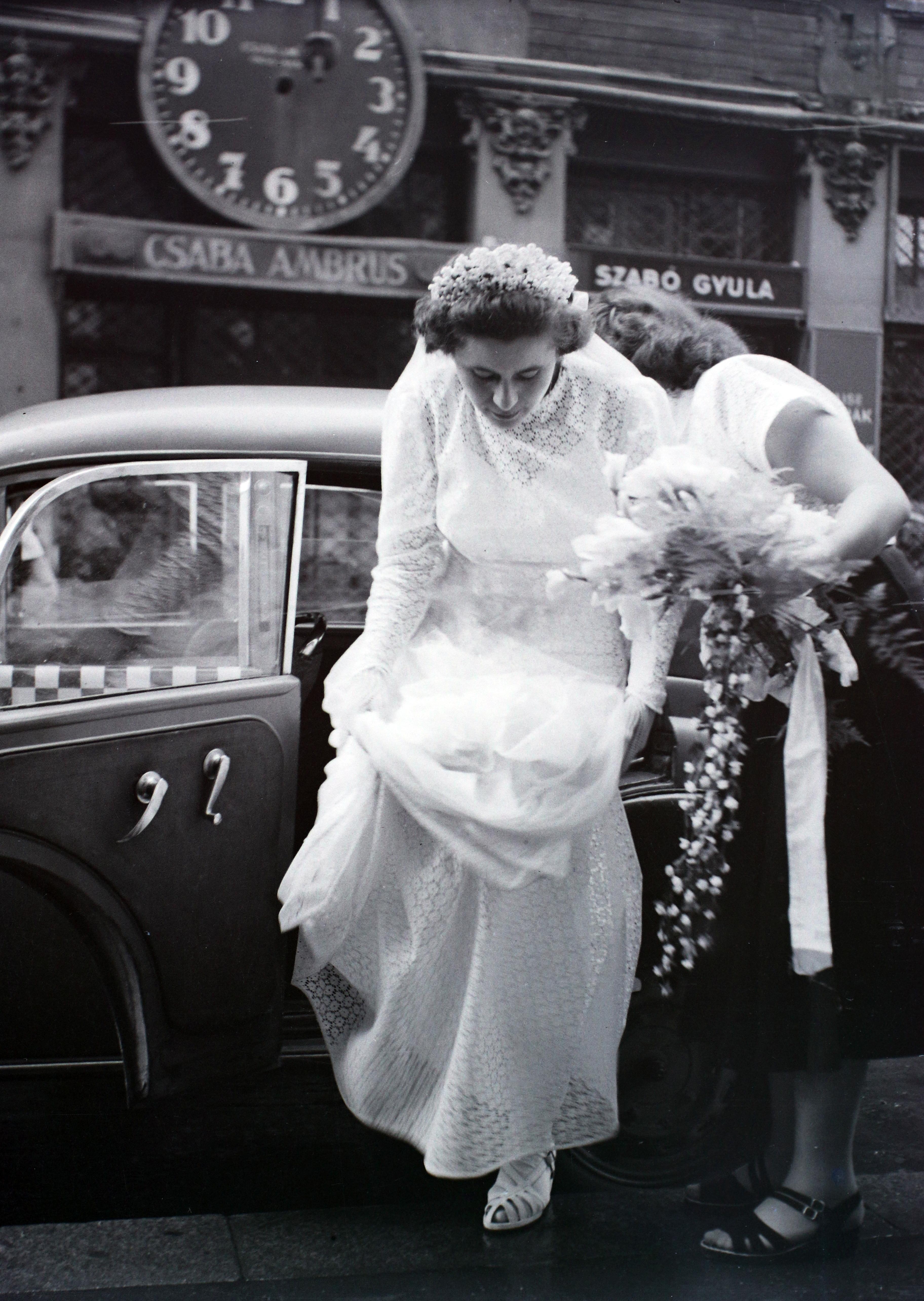 Özvegy menyasszonyok – Wikipédia