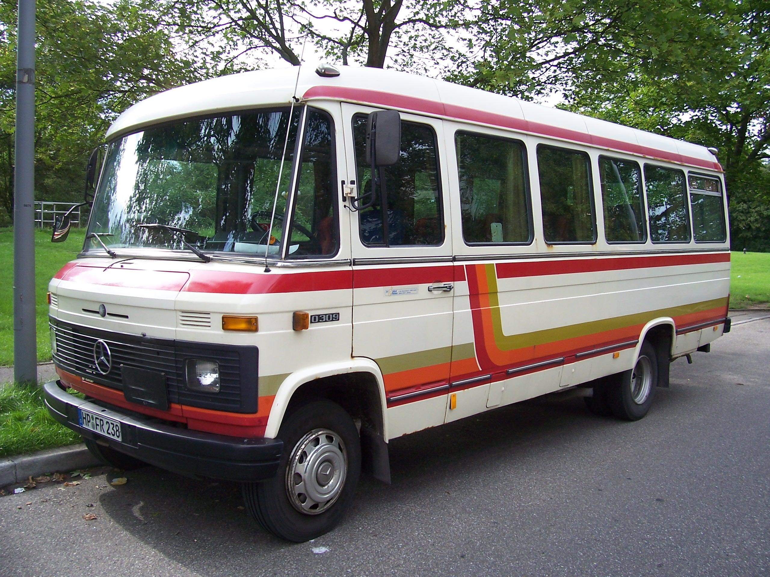 Mercedes o 309