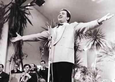 Doménico Modugno en el festival de San Remo de 1958.