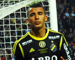 Nabil Bahoui (vs. Djurgården in 2013, cropped).jpg