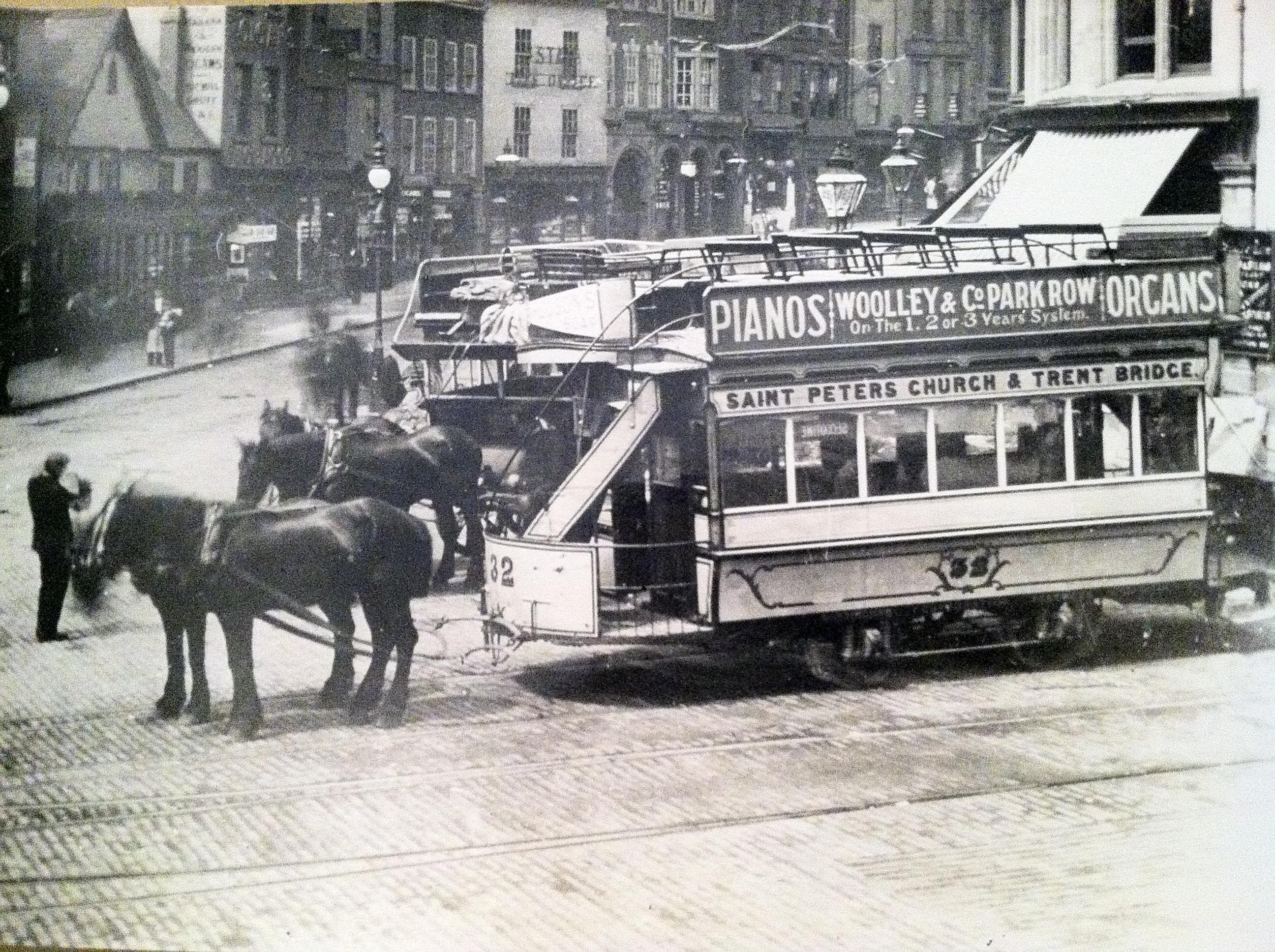 Nottingham_Horse_Tram_outside_St._Peter%