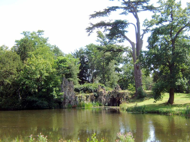 Painshill Park grotto3