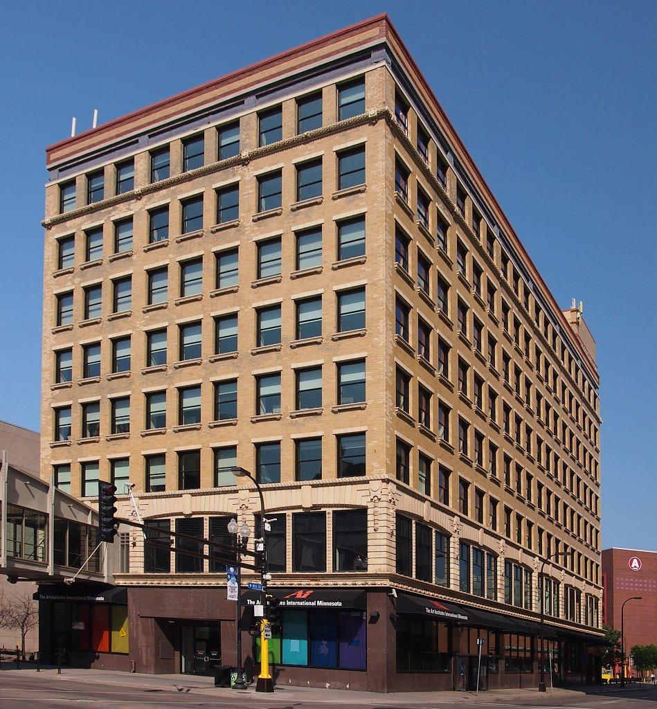 Minneapolis Auto Show >> Pence Automobile Company Building - Wikipedia