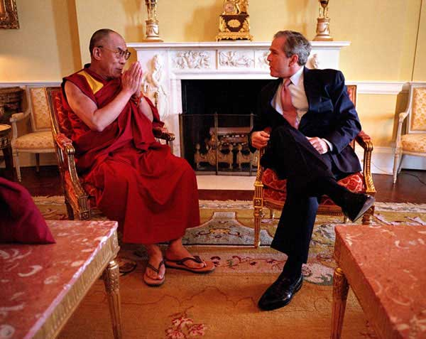 President George W. Bush and the 14th Dalai Lama at the Whitehouse in 2001