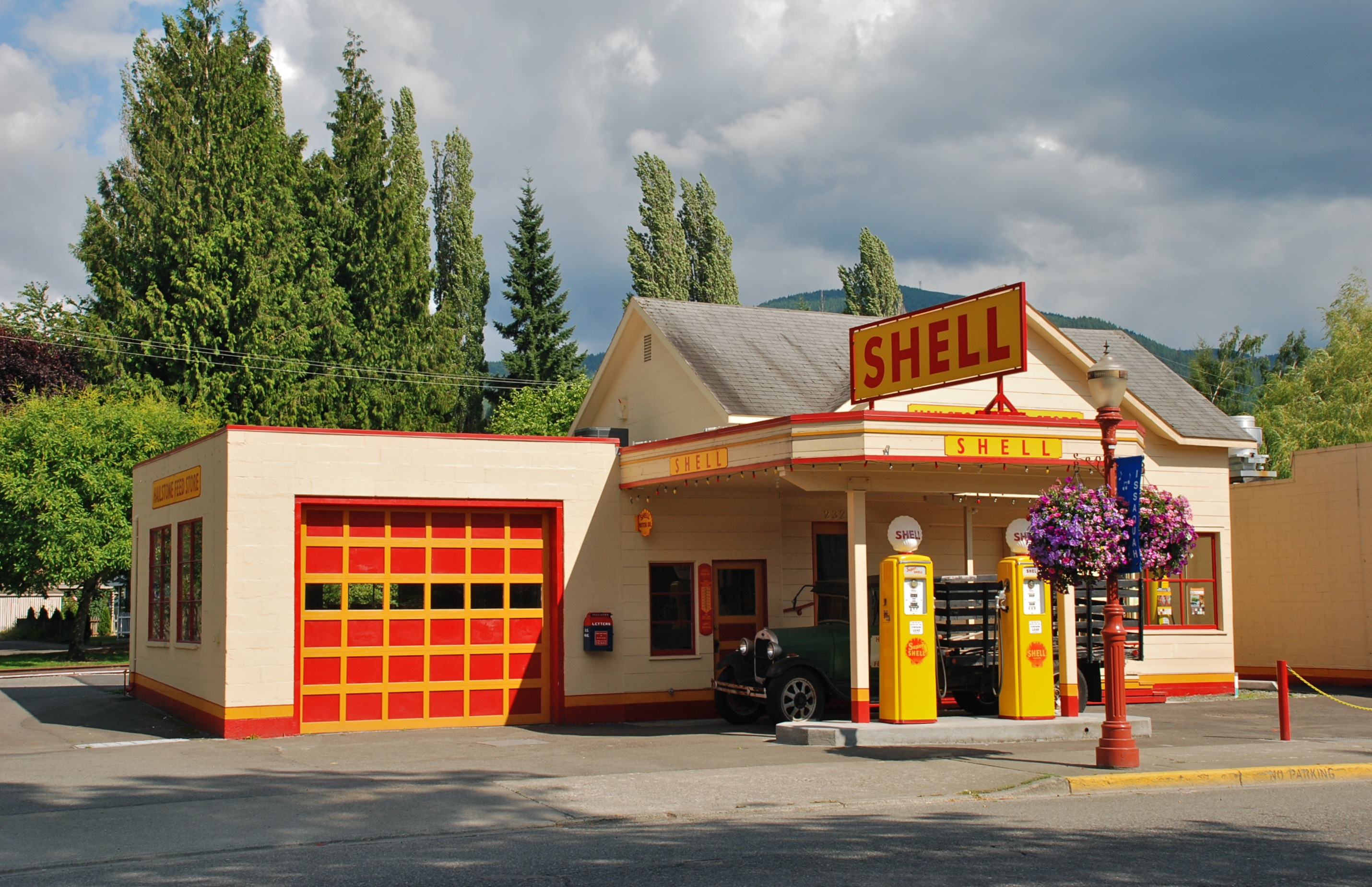 1940s shell gas station in issaquah washington