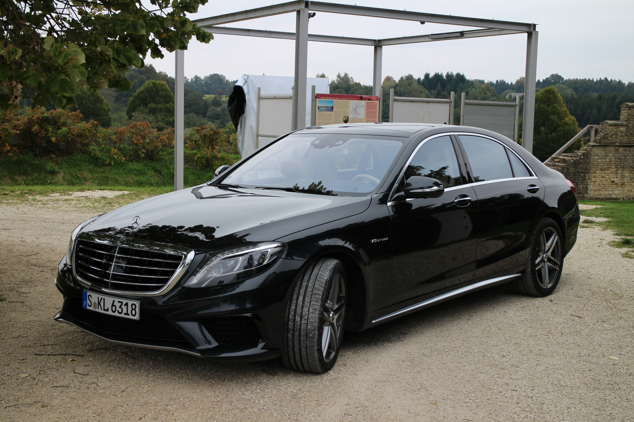 W222 Mercedes-Benz S63 AMG breaks cover: 900Nm!