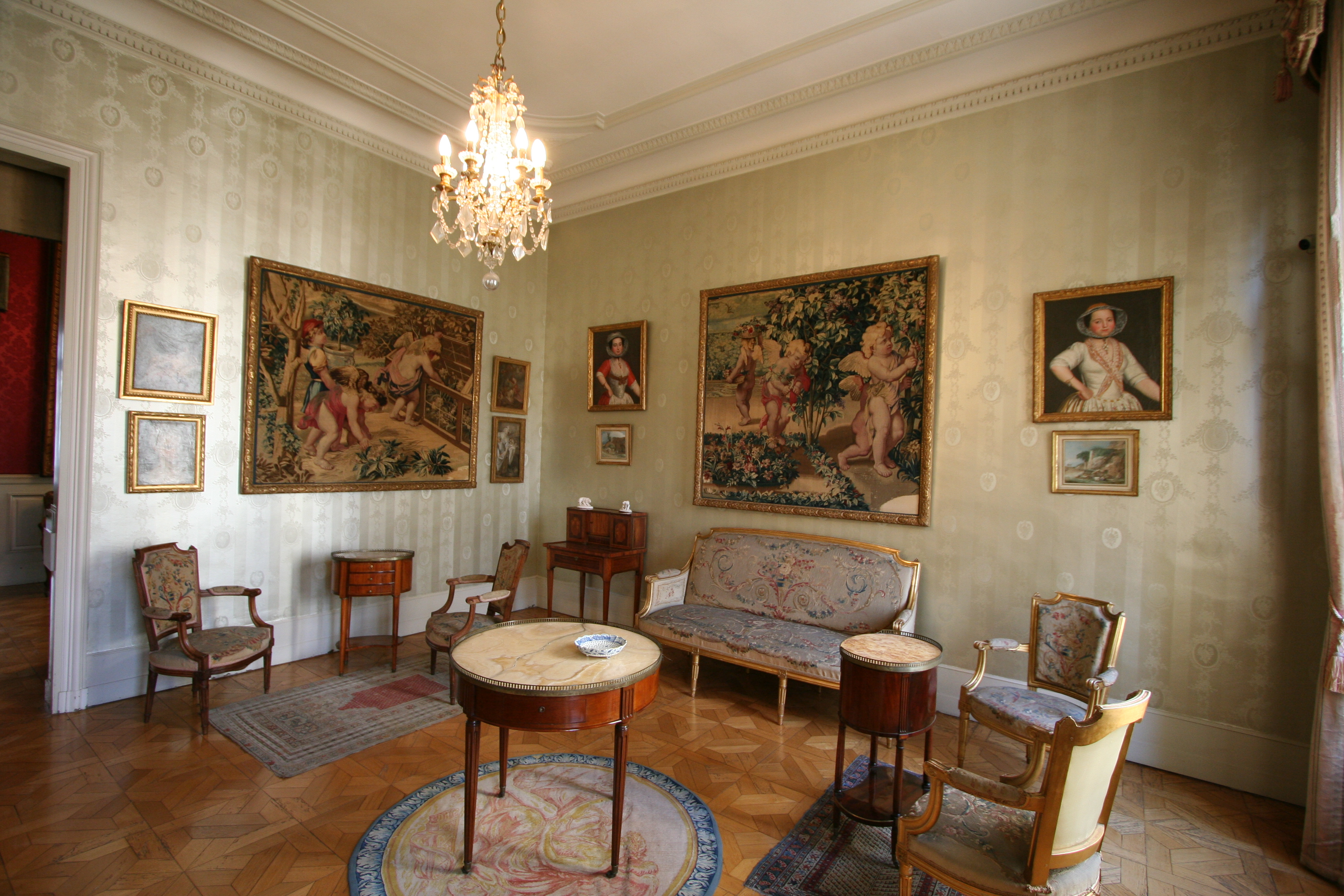 File:Salon Louis XVI.JPG - Wikimedia Commons